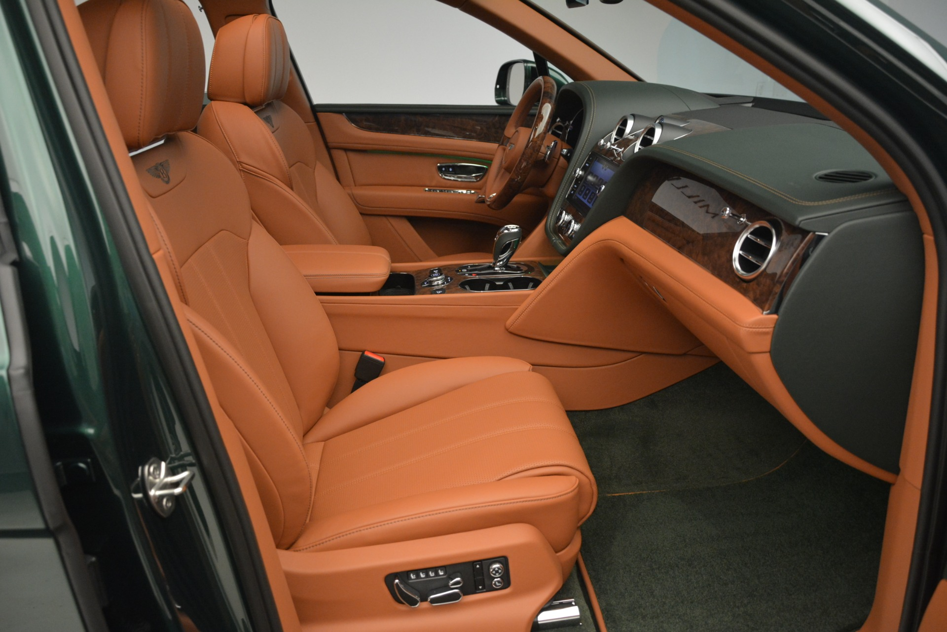 New 2019 Bentley Bentayga V8 For Sale In Greenwich, CT 2645_p28
