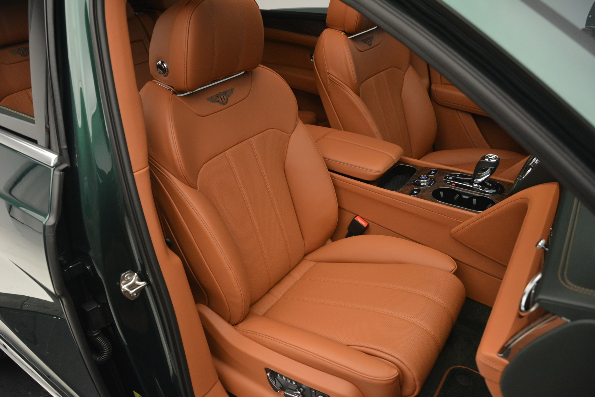New 2019 Bentley Bentayga V8 For Sale In Greenwich, CT 2645_p29