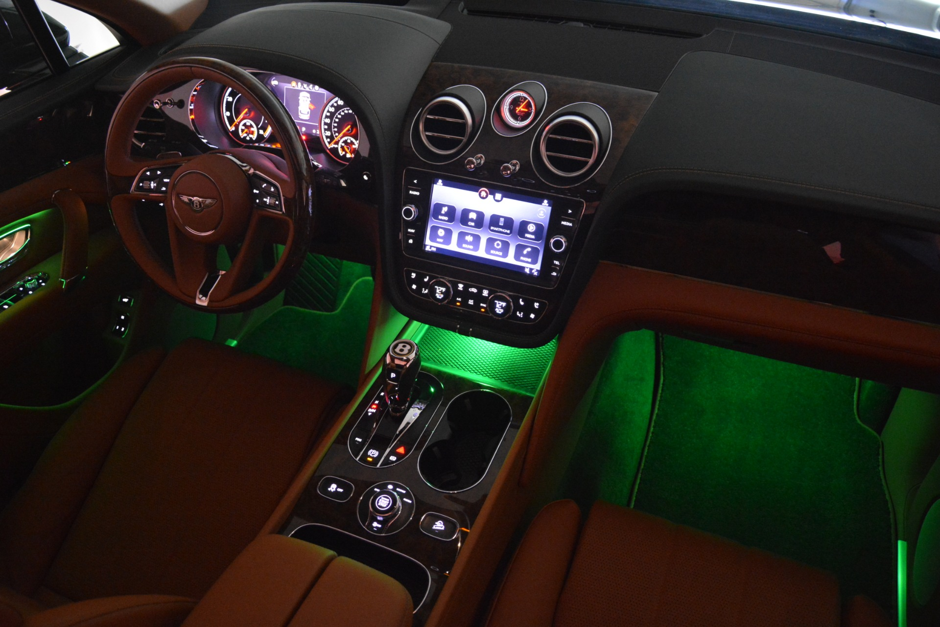 New 2019 Bentley Bentayga V8 For Sale In Greenwich, CT 2645_p31