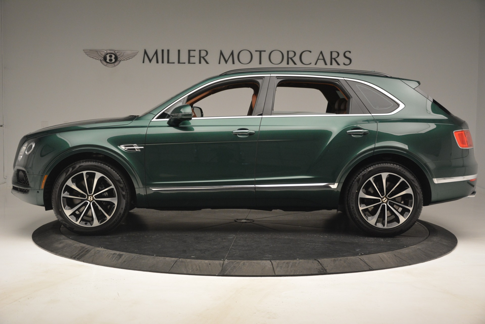 New 2019 Bentley Bentayga V8 For Sale In Greenwich, CT 2645_p3