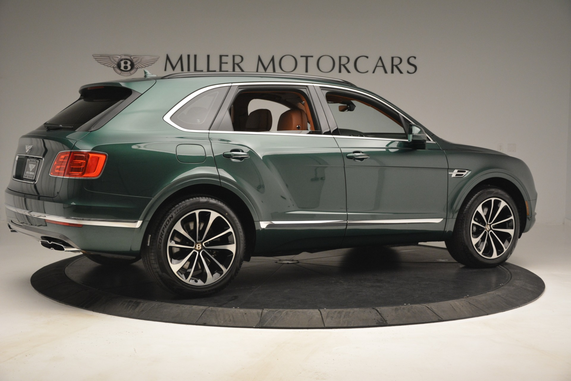 New 2019 Bentley Bentayga V8 For Sale In Greenwich, CT 2645_p8
