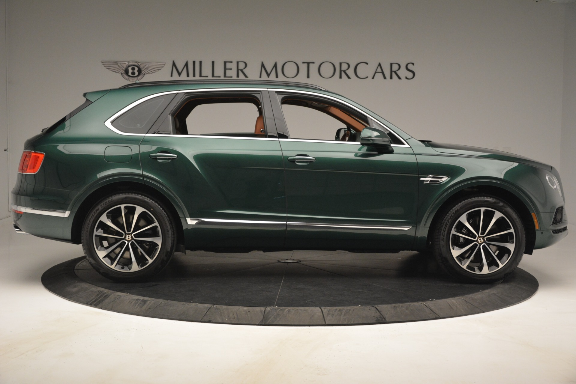 New 2019 Bentley Bentayga V8 For Sale In Greenwich, CT 2645_p9