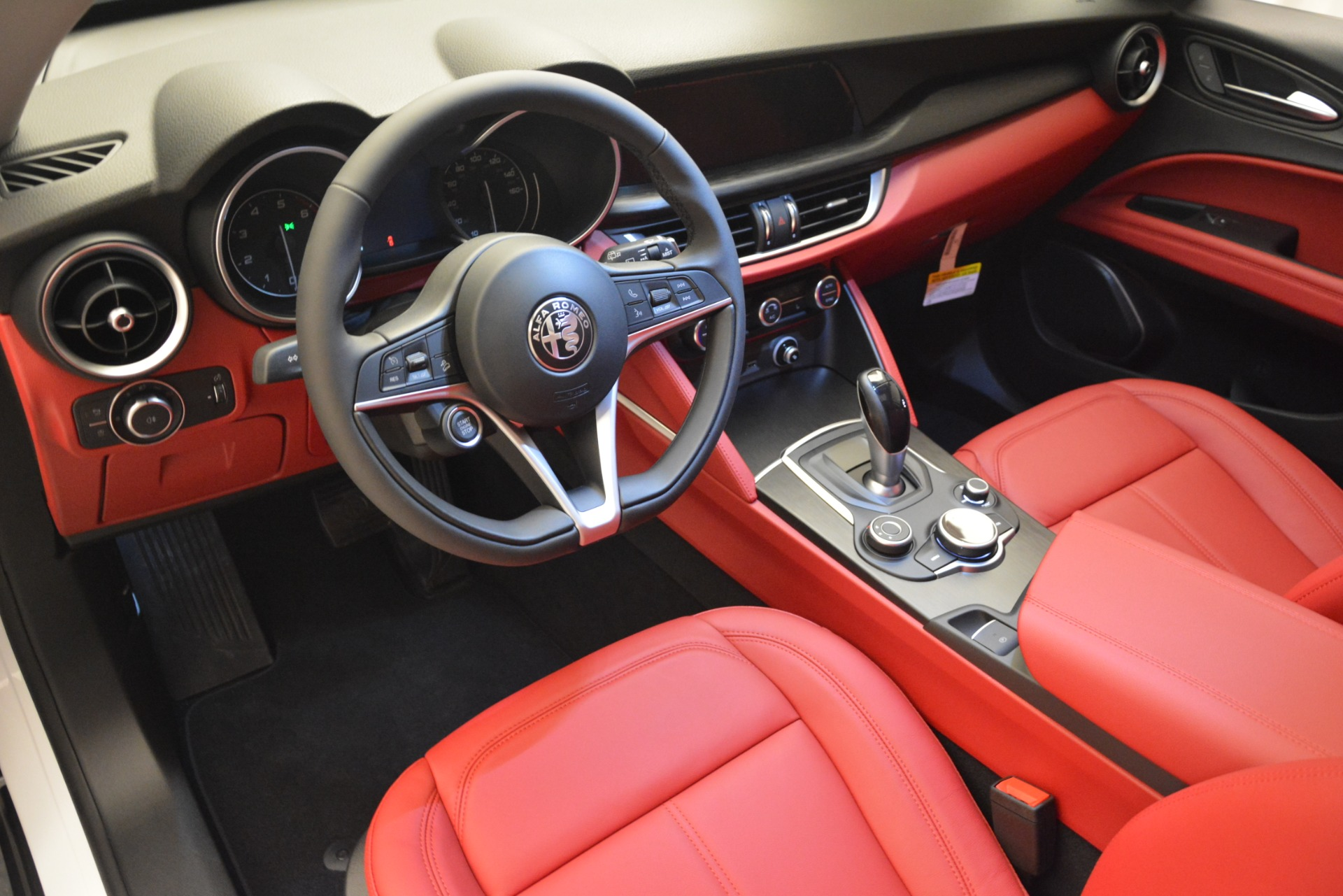 New 2019 Alfa Romeo Stelvio Q4 For Sale In Greenwich, CT 2657_p14