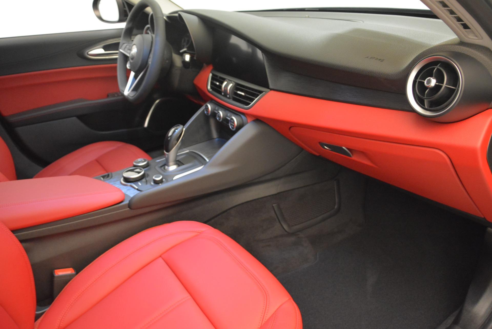 New 2019 Alfa Romeo Giulia Q4 For Sale In Greenwich, CT 2663_p19