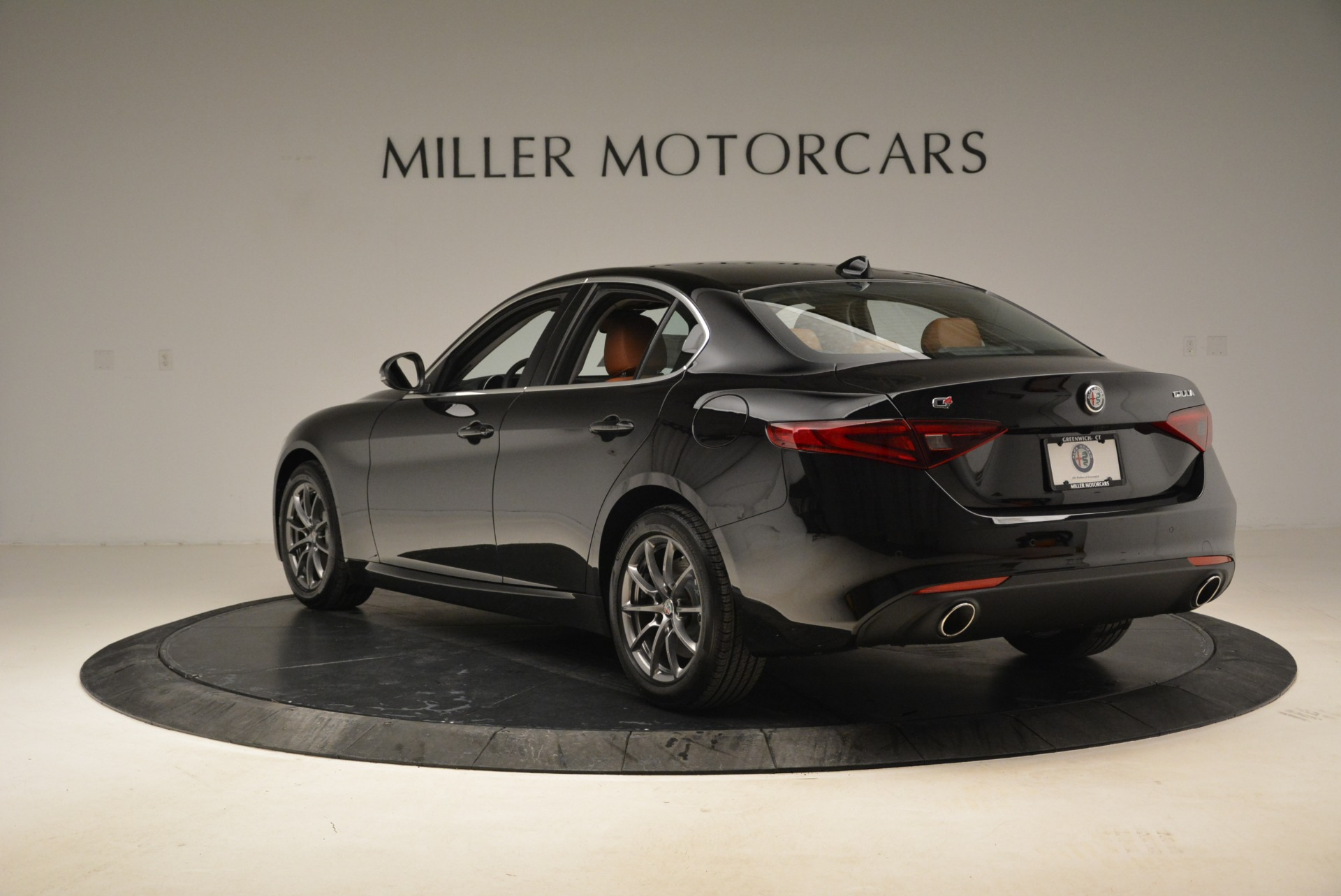 New 2019 Alfa Romeo Giulia Q4 For Sale In Greenwich, CT 2665_p5