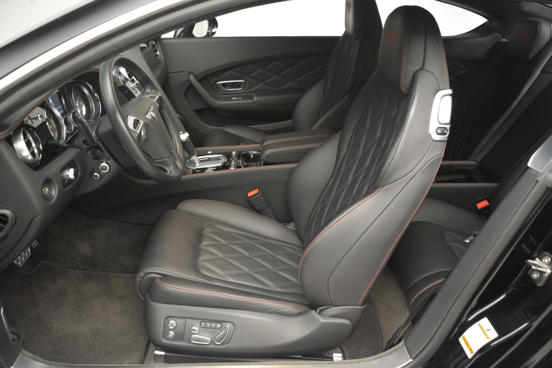 Used 2012 Bentley Continental GT W12 For Sale In Greenwich, CT 2671_p19
