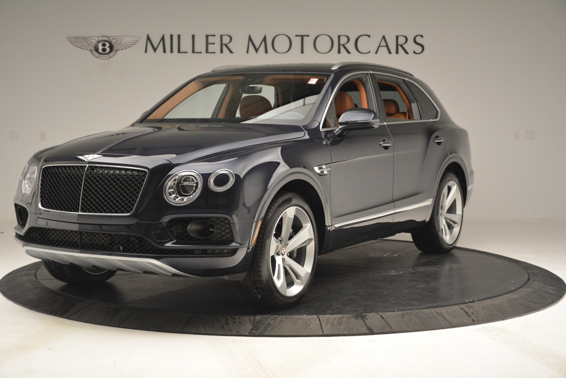 New 2019 Bentley Bentayga V8 For Sale In Greenwich, CT 2672_main