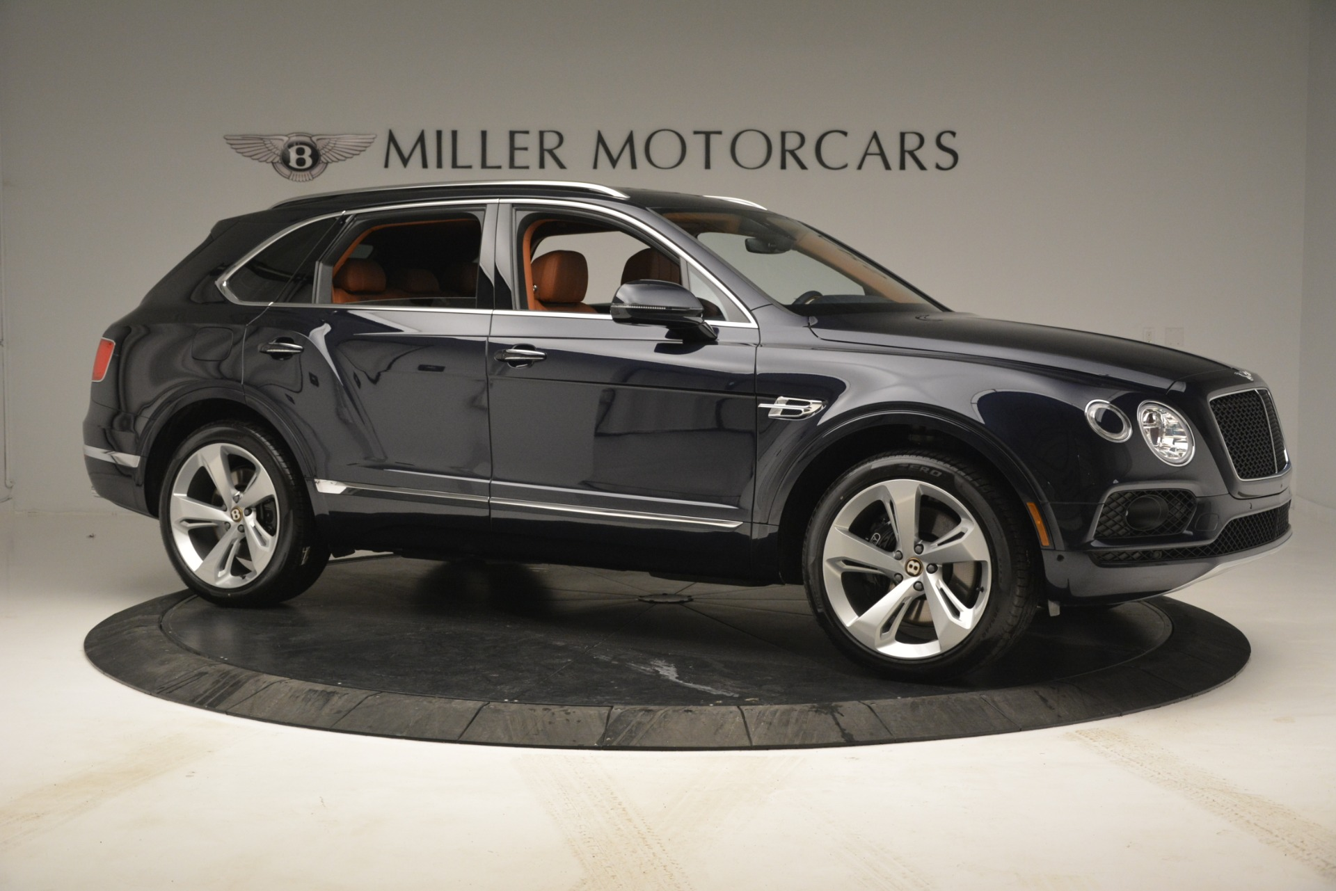 New 2019 Bentley Bentayga V8 For Sale In Greenwich, CT 2672_p10