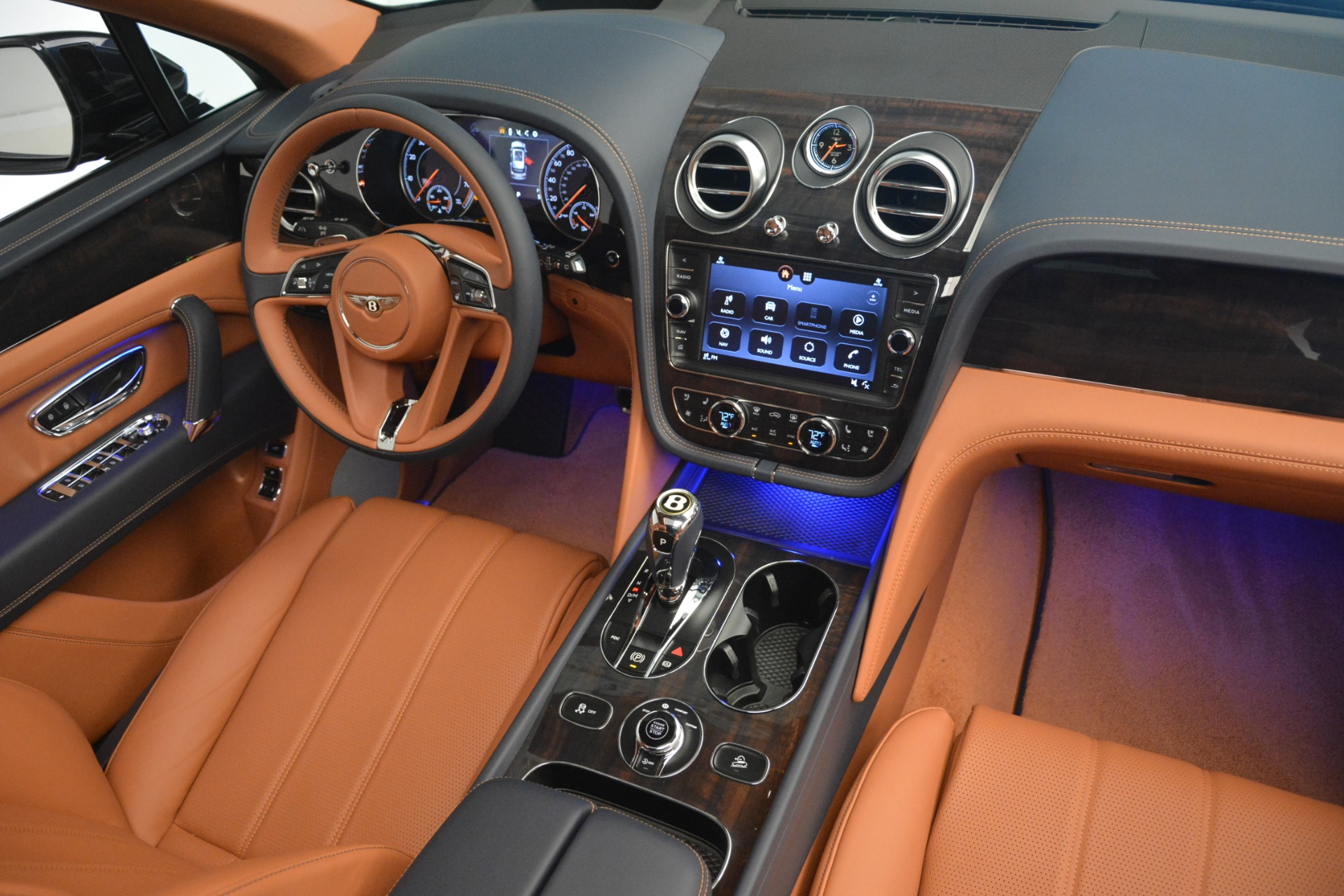 New 2019 Bentley Bentayga V8 For Sale In Greenwich, CT 2672_p25