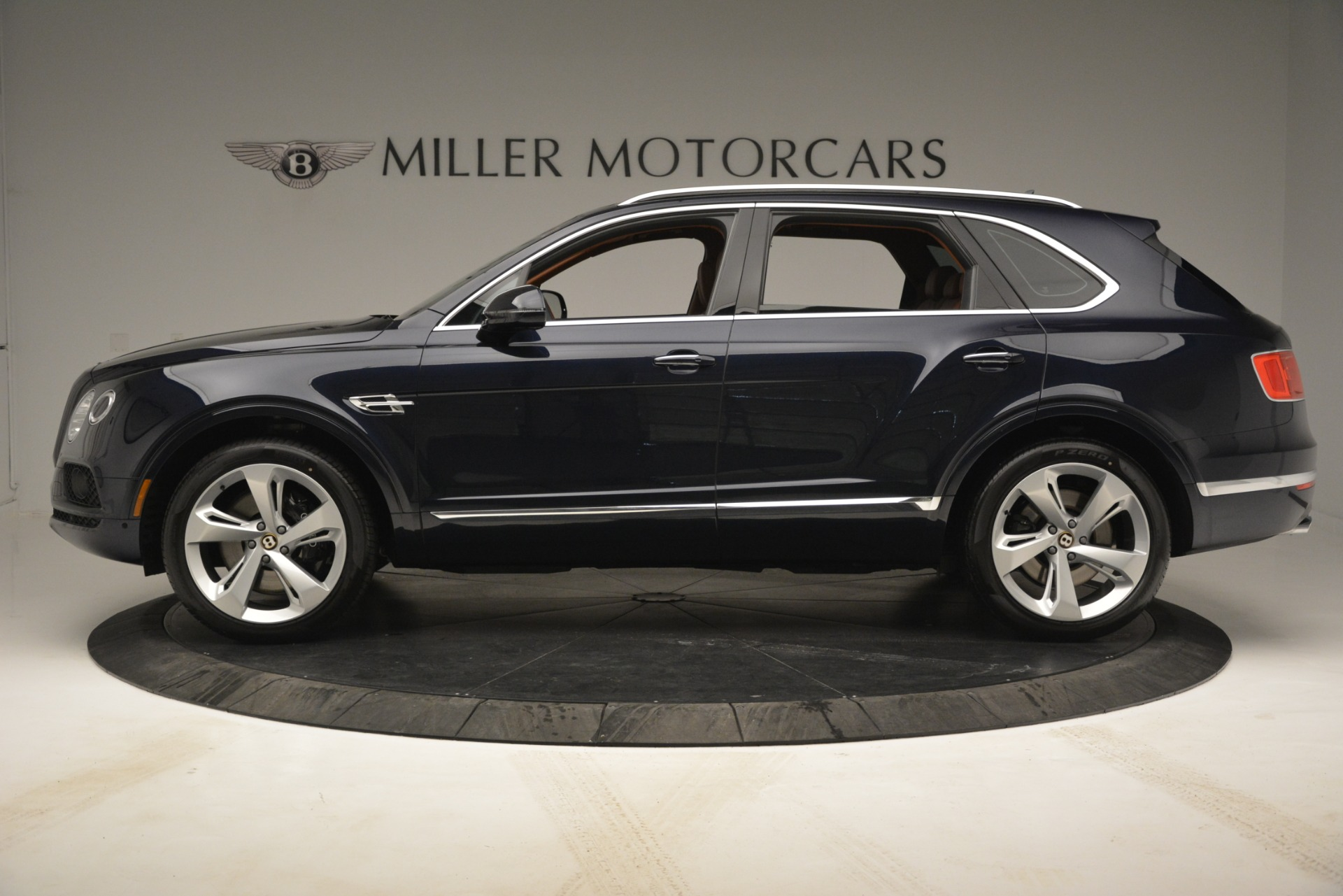 New 2019 Bentley Bentayga V8 For Sale In Greenwich, CT 2672_p3