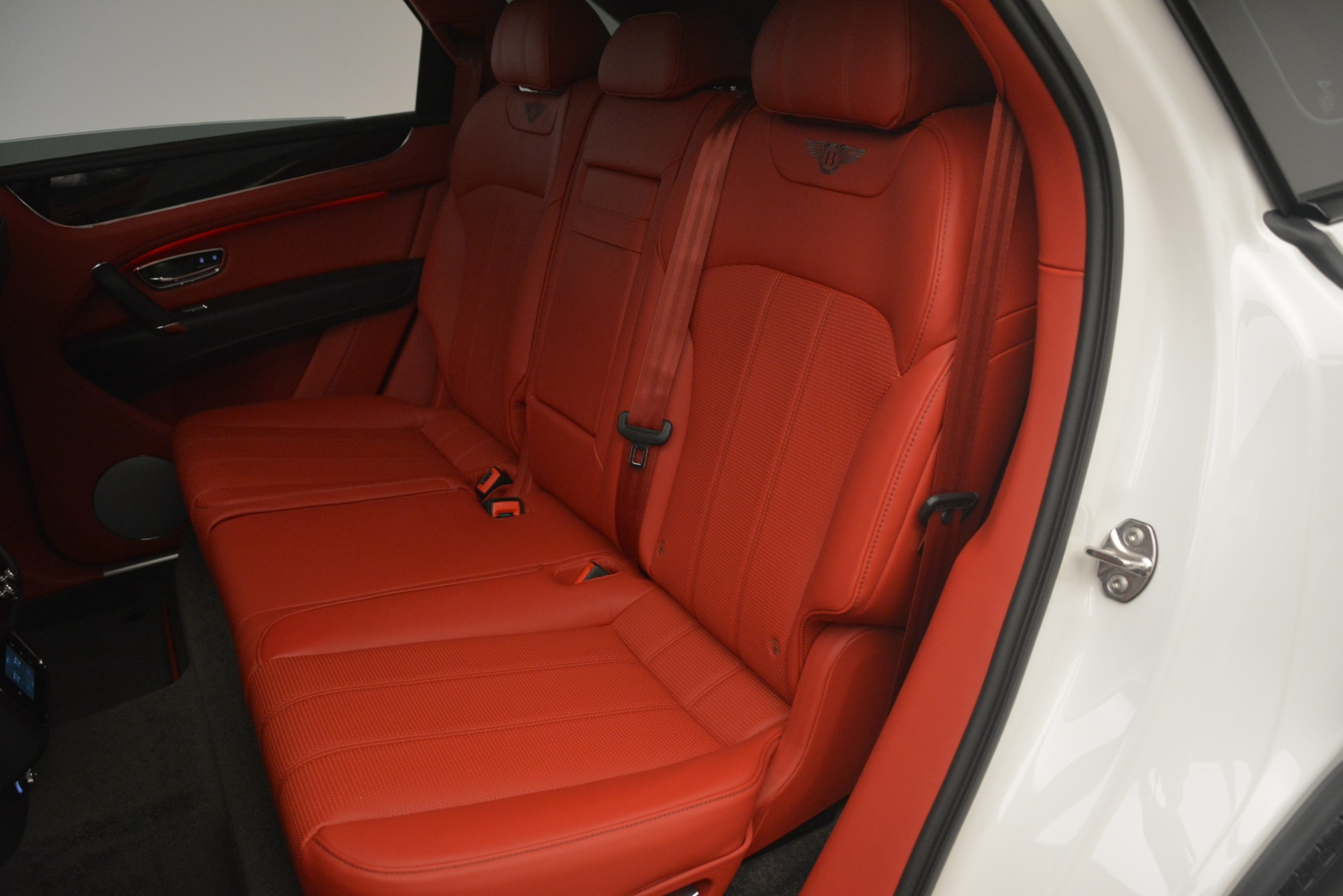 New 2019 Bentley Bentayga V8 For Sale In Greenwich, CT 2673_p25