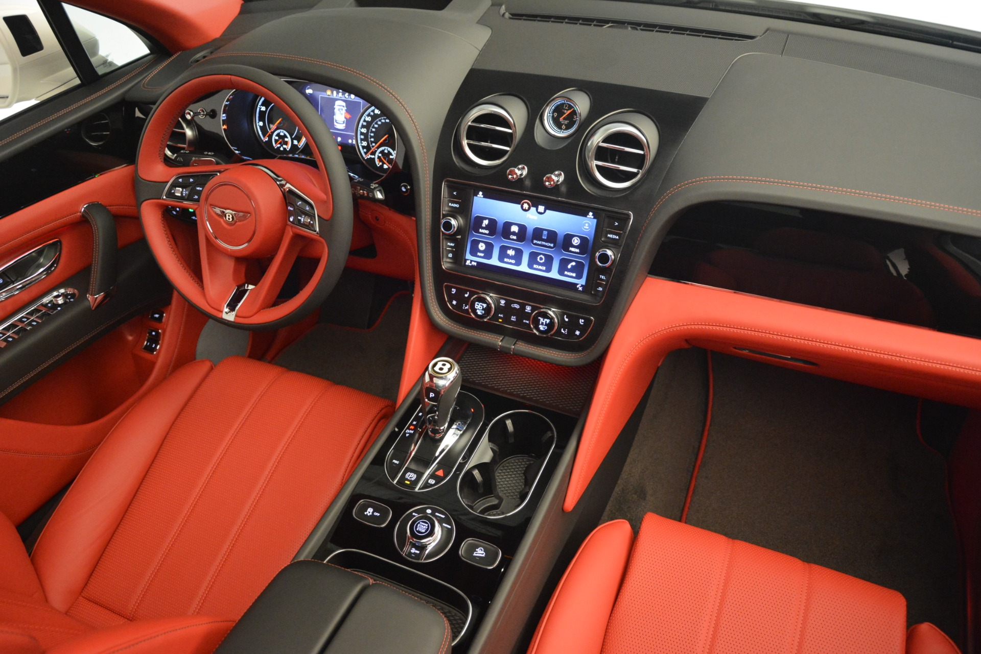 New 2019 Bentley Bentayga V8 For Sale In Greenwich, CT 2673_p29