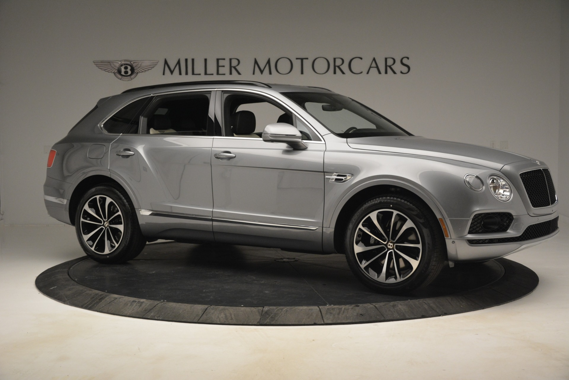 New 2019 Bentley Bentayga V8 For Sale In Greenwich, CT 2674_p10
