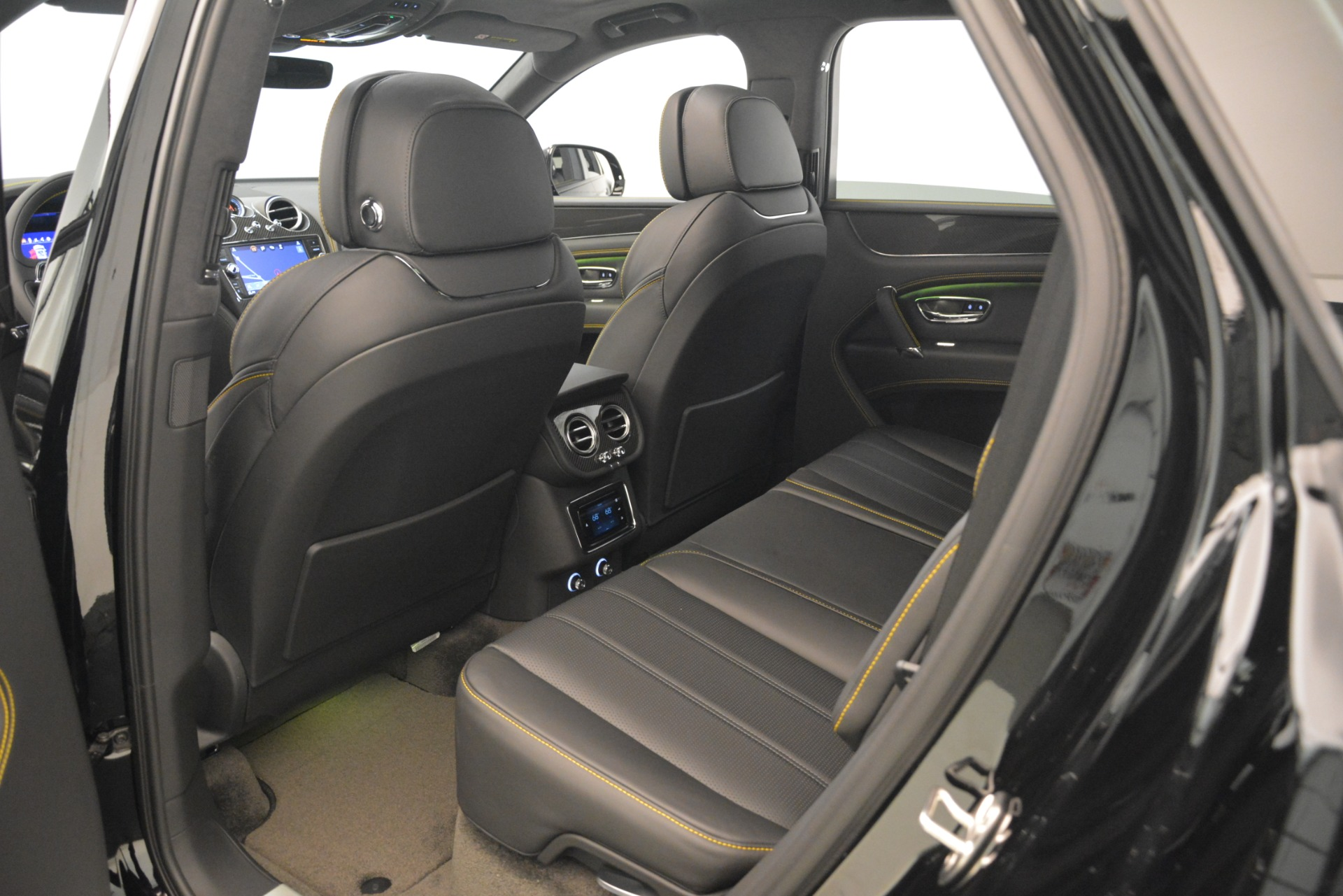 New 2019 Bentley Bentayga V8 For Sale In Greenwich, CT 2675_p27
