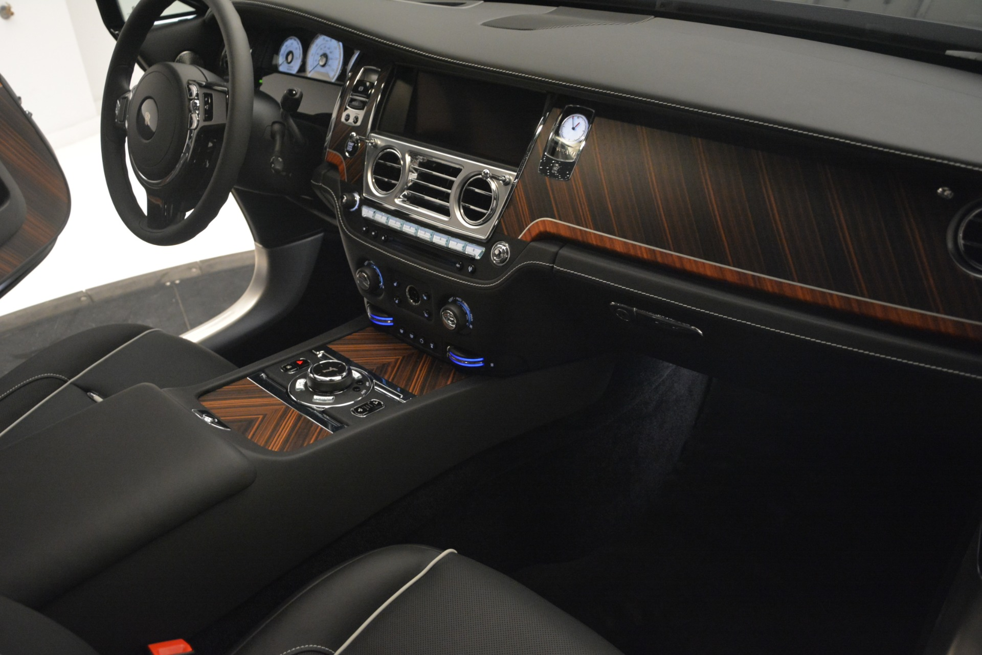 Used 2019 Rolls-Royce Wraith  For Sale In Greenwich, CT 2688_p24