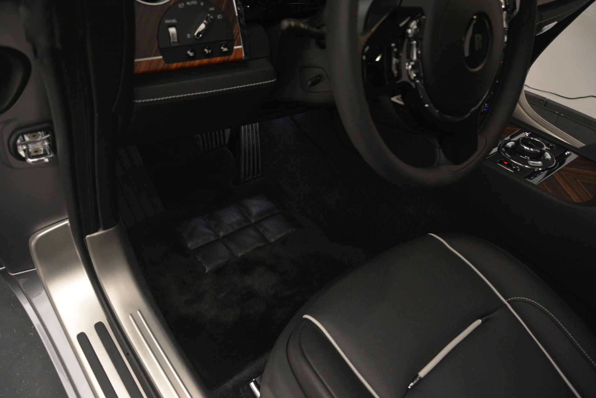 Used 2019 Rolls-Royce Wraith  For Sale In Greenwich, CT 2688_p32