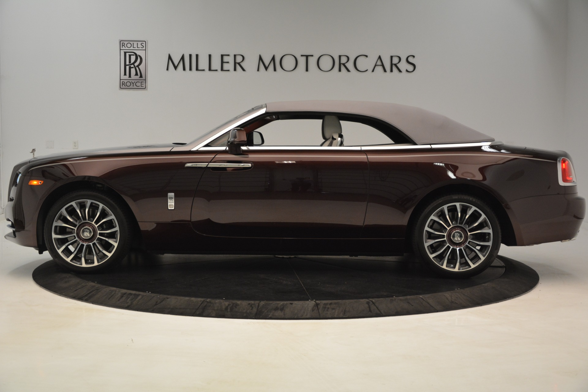 Used 2019 Rolls-Royce Dawn  For Sale In Greenwich, CT 2692_p15