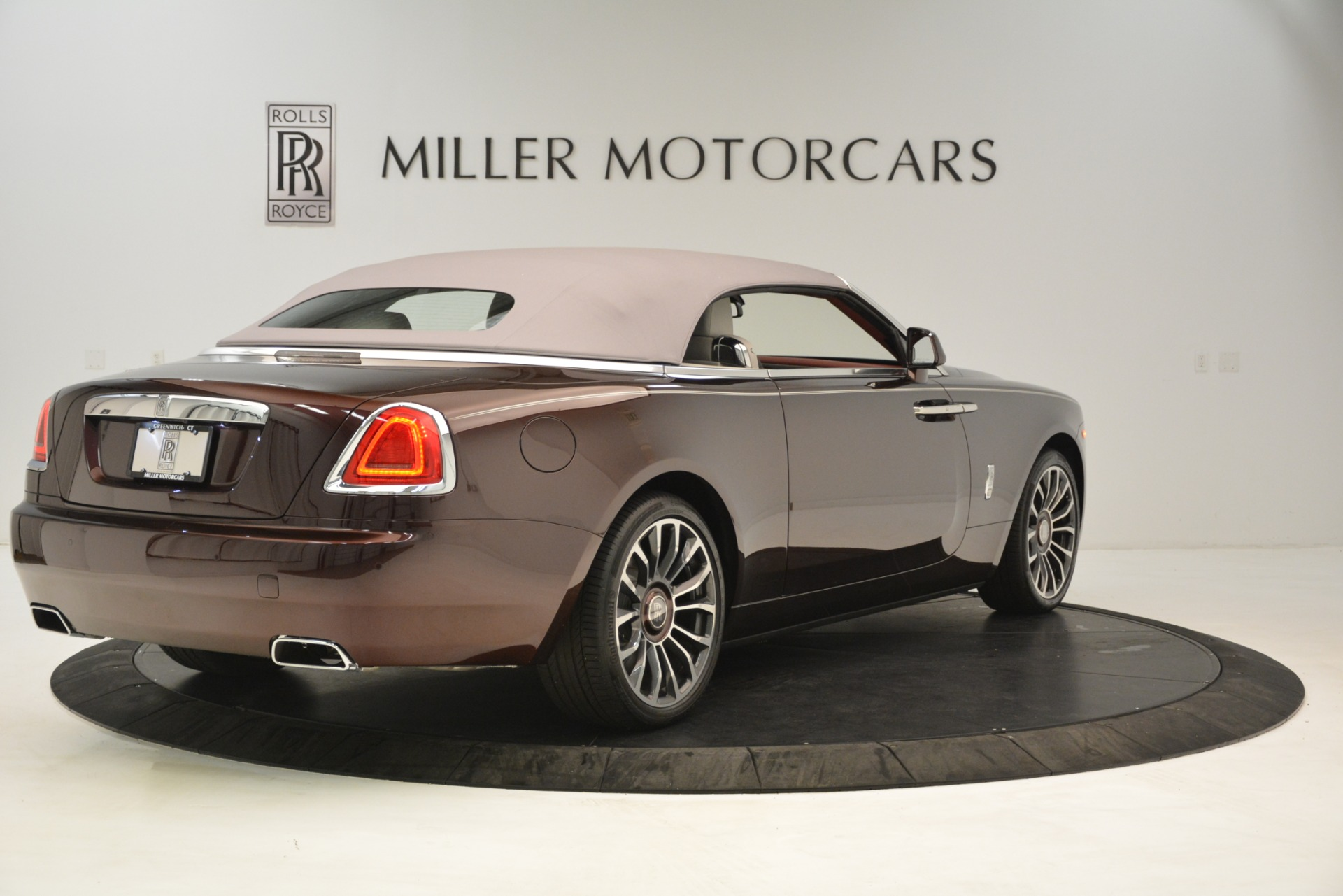 Used 2019 Rolls-Royce Dawn  For Sale In Greenwich, CT 2692_p20