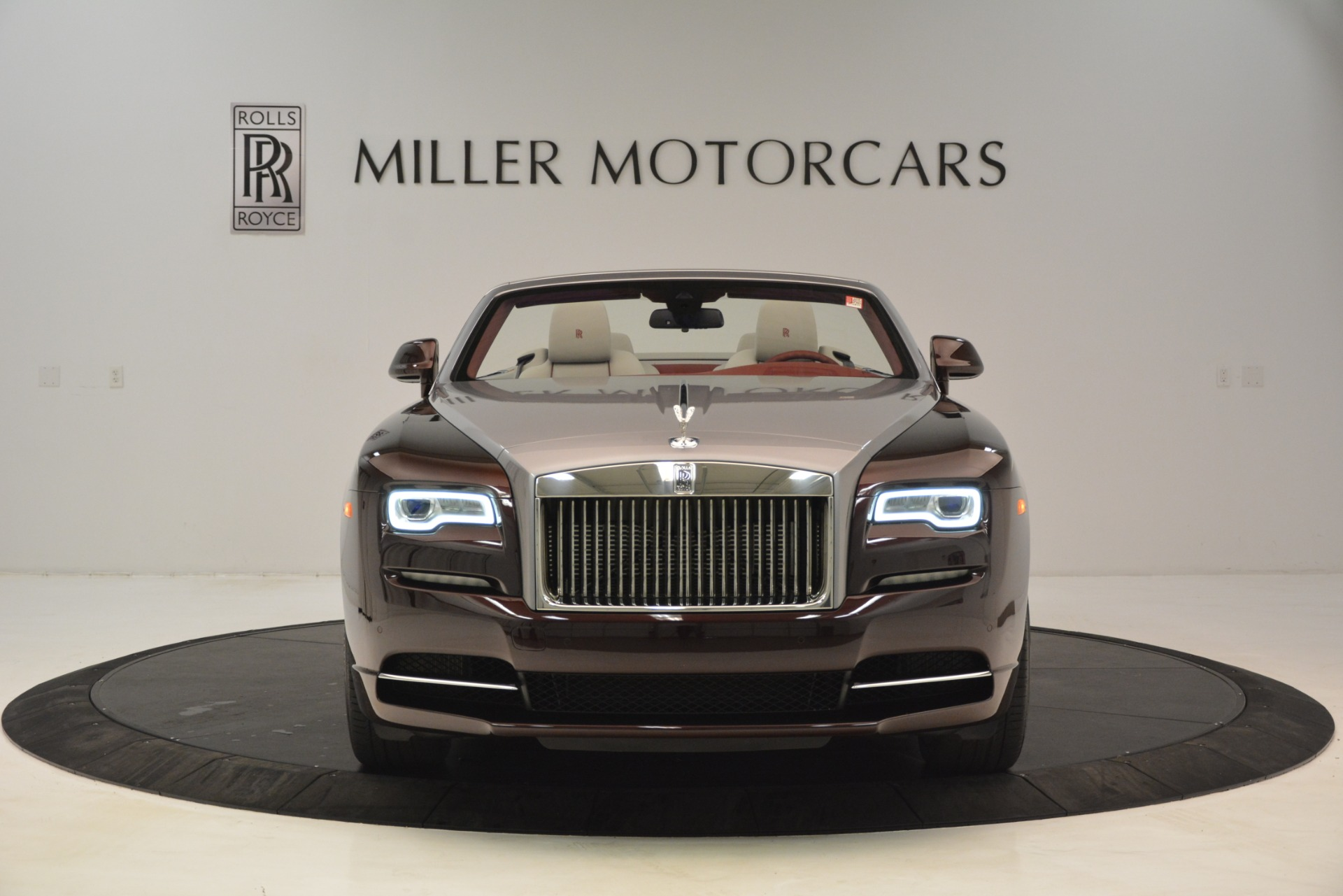 Used 2019 Rolls-Royce Dawn  For Sale In Greenwich, CT 2692_p2