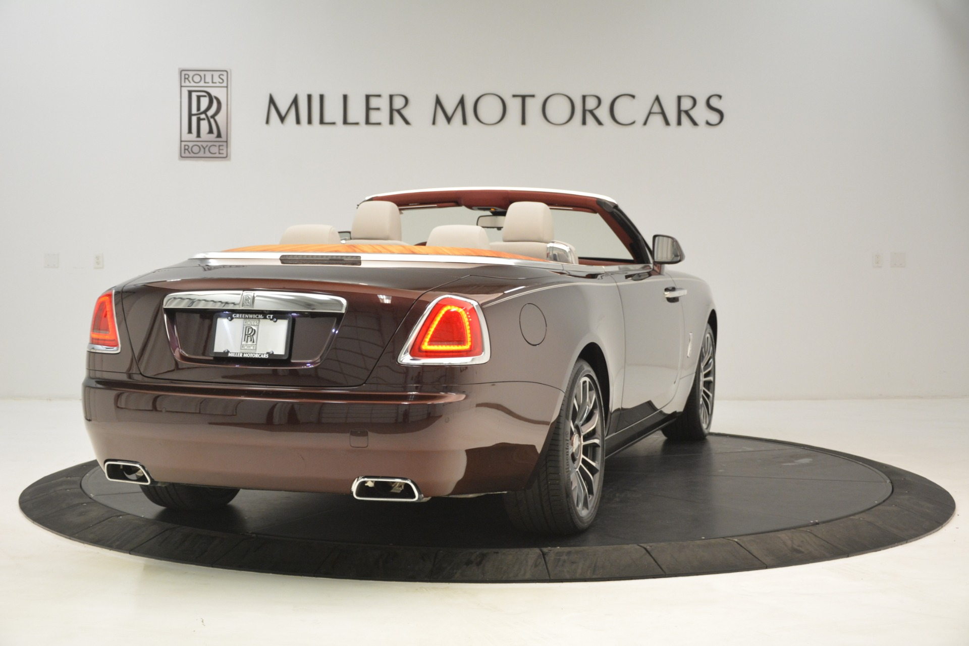 Used 2019 Rolls-Royce Dawn  For Sale In Greenwich, CT 2692_p8
