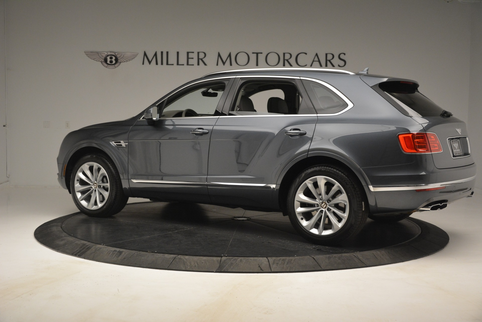 New 2019 Bentley Bentayga V8 For Sale In Greenwich, CT 2700_p4