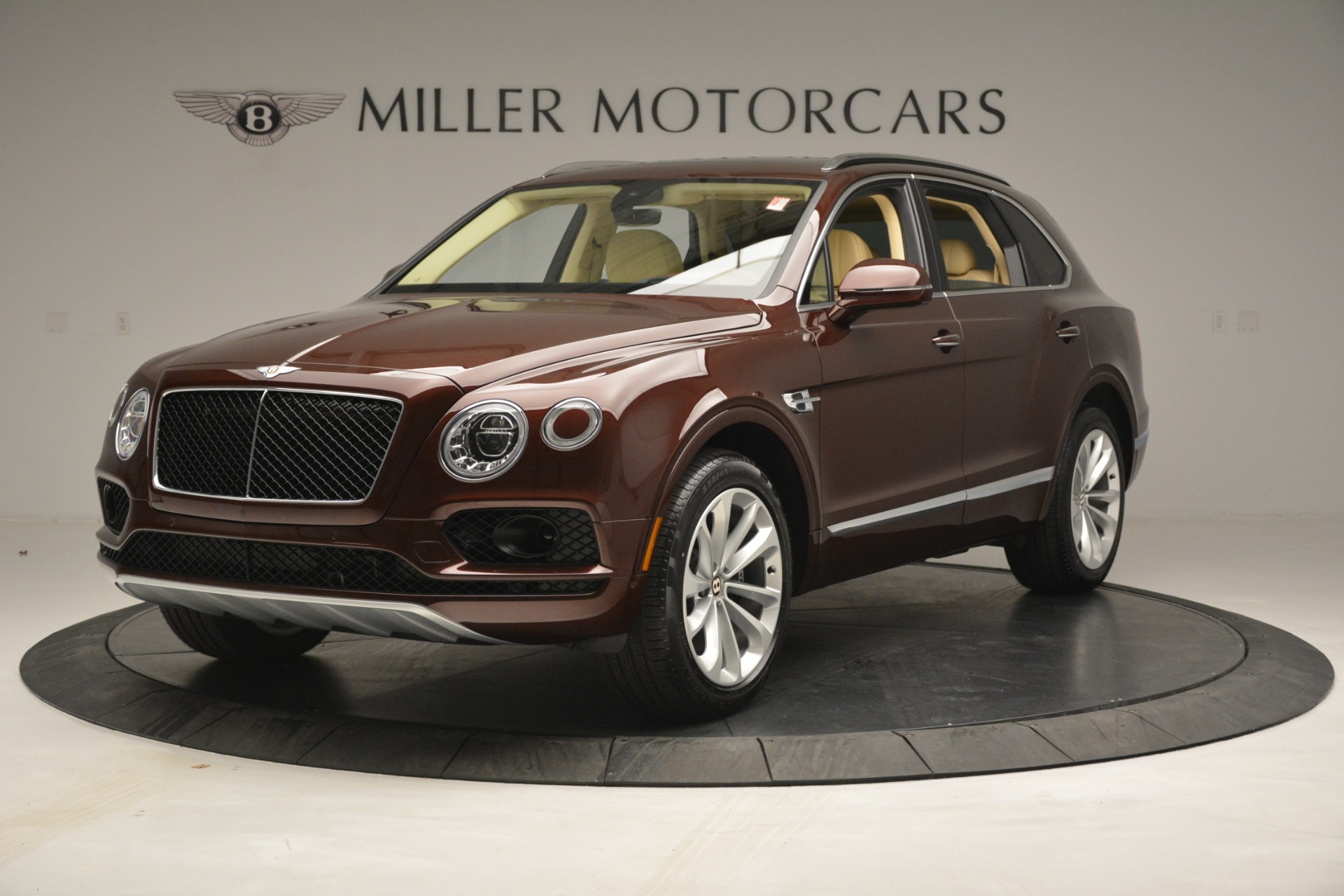 Used 2019 Bentley Bentayga V8 For Sale In Greenwich, CT 2702_main