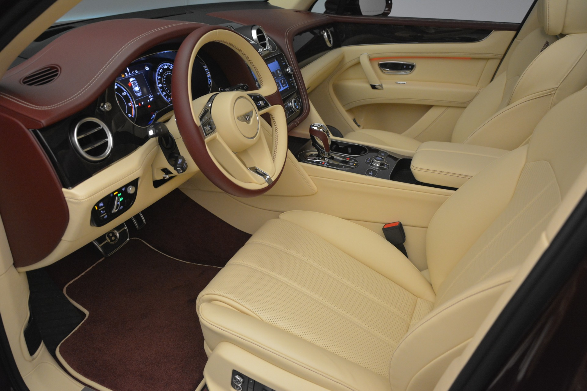 New 2019 Bentley Bentayga V8 For Sale In Greenwich, CT 2702_p18