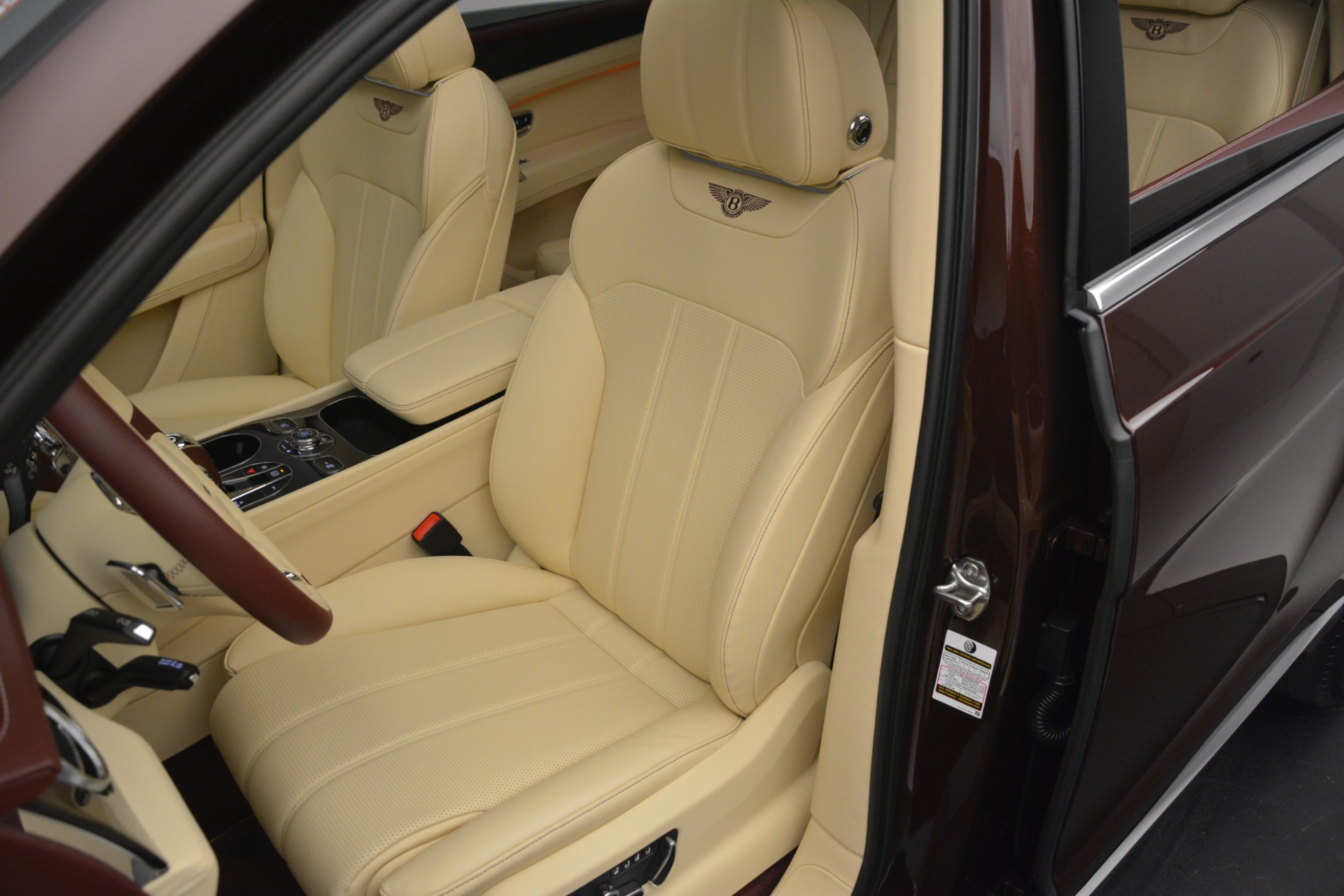 New 2019 Bentley Bentayga V8 For Sale In Greenwich, CT 2702_p20