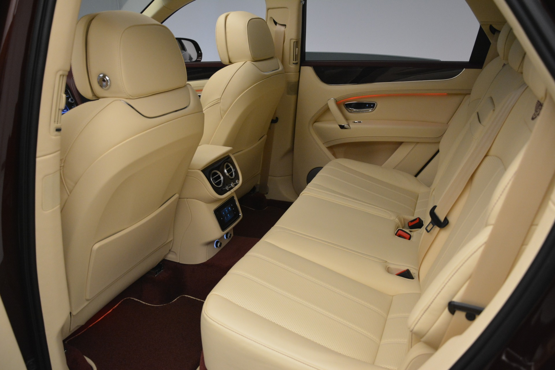 Used 2019 Bentley Bentayga V8 For Sale In Greenwich, CT 2702_p22