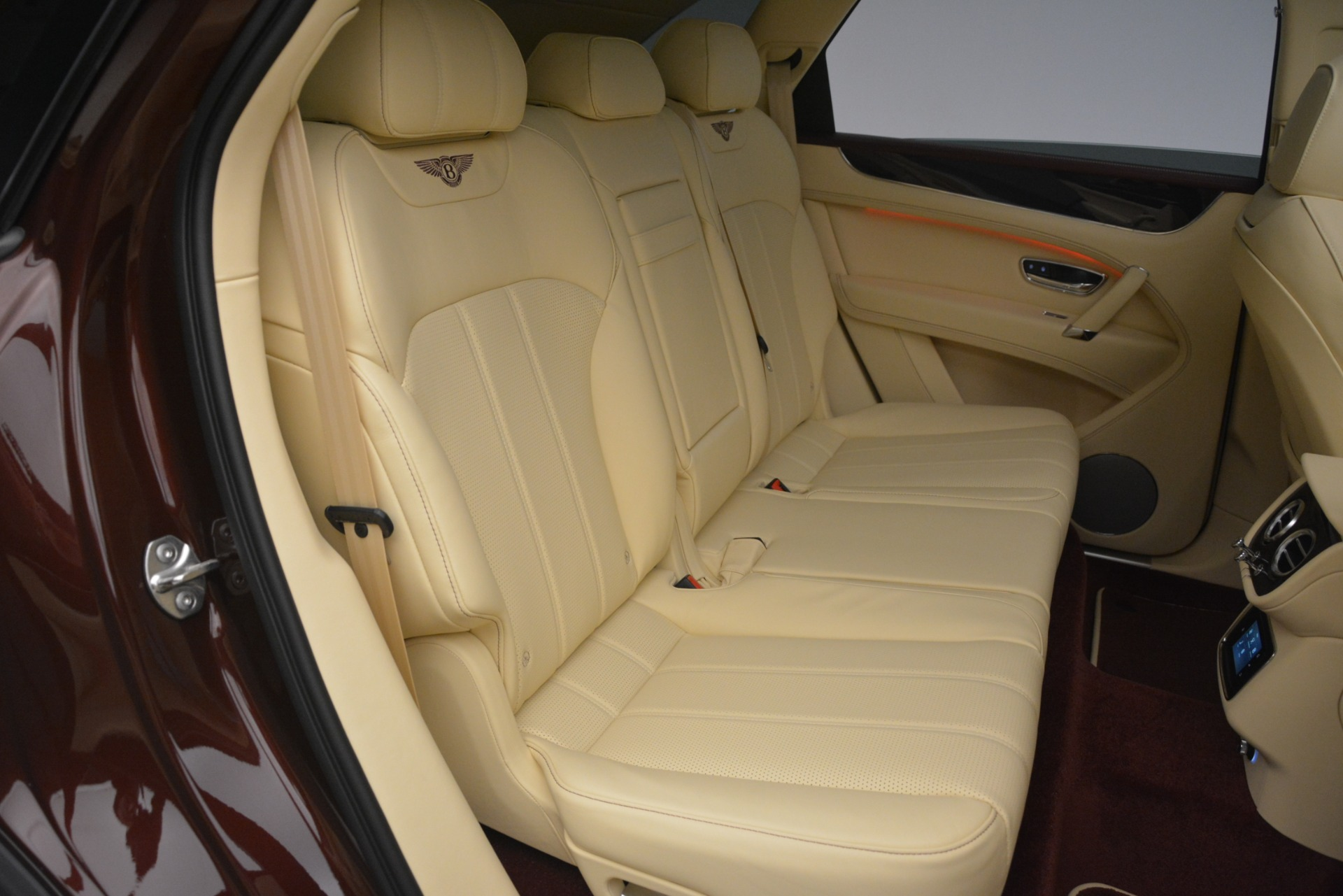 New 2019 Bentley Bentayga V8 For Sale In Greenwich, CT 2702_p25