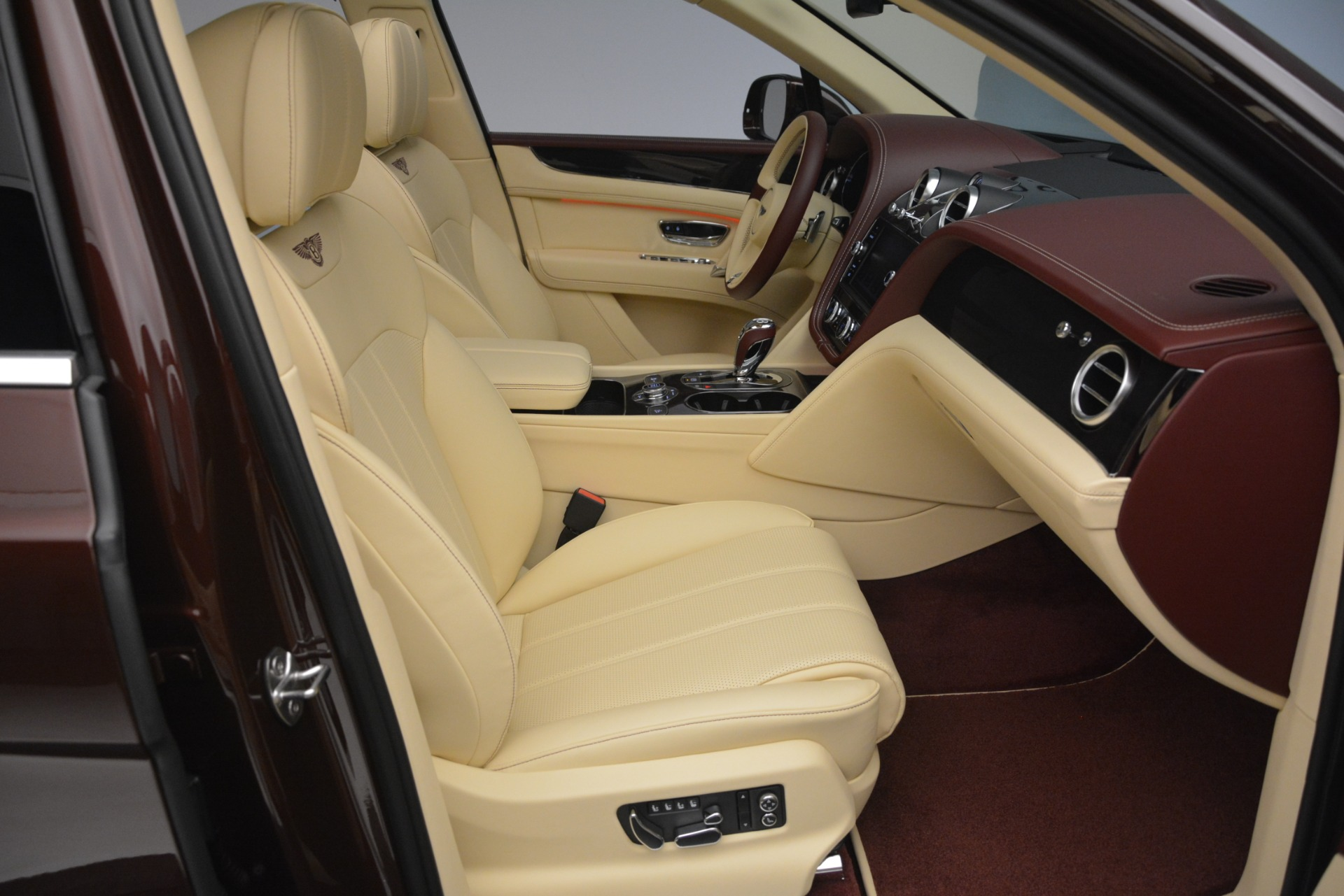 Used 2019 Bentley Bentayga V8 For Sale In Greenwich, CT 2702_p27