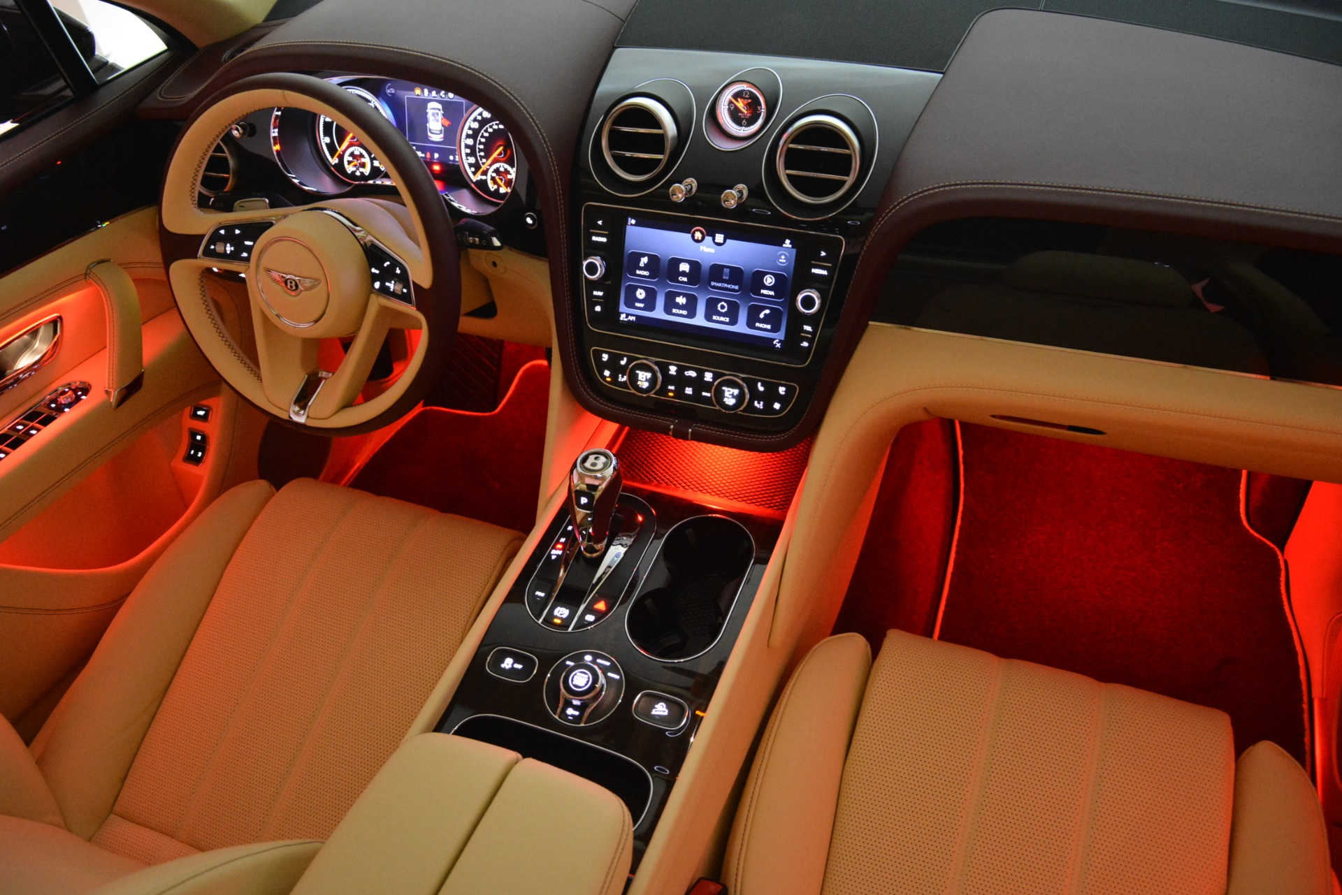New 2019 Bentley Bentayga V8 For Sale In Greenwich, CT 2702_p31