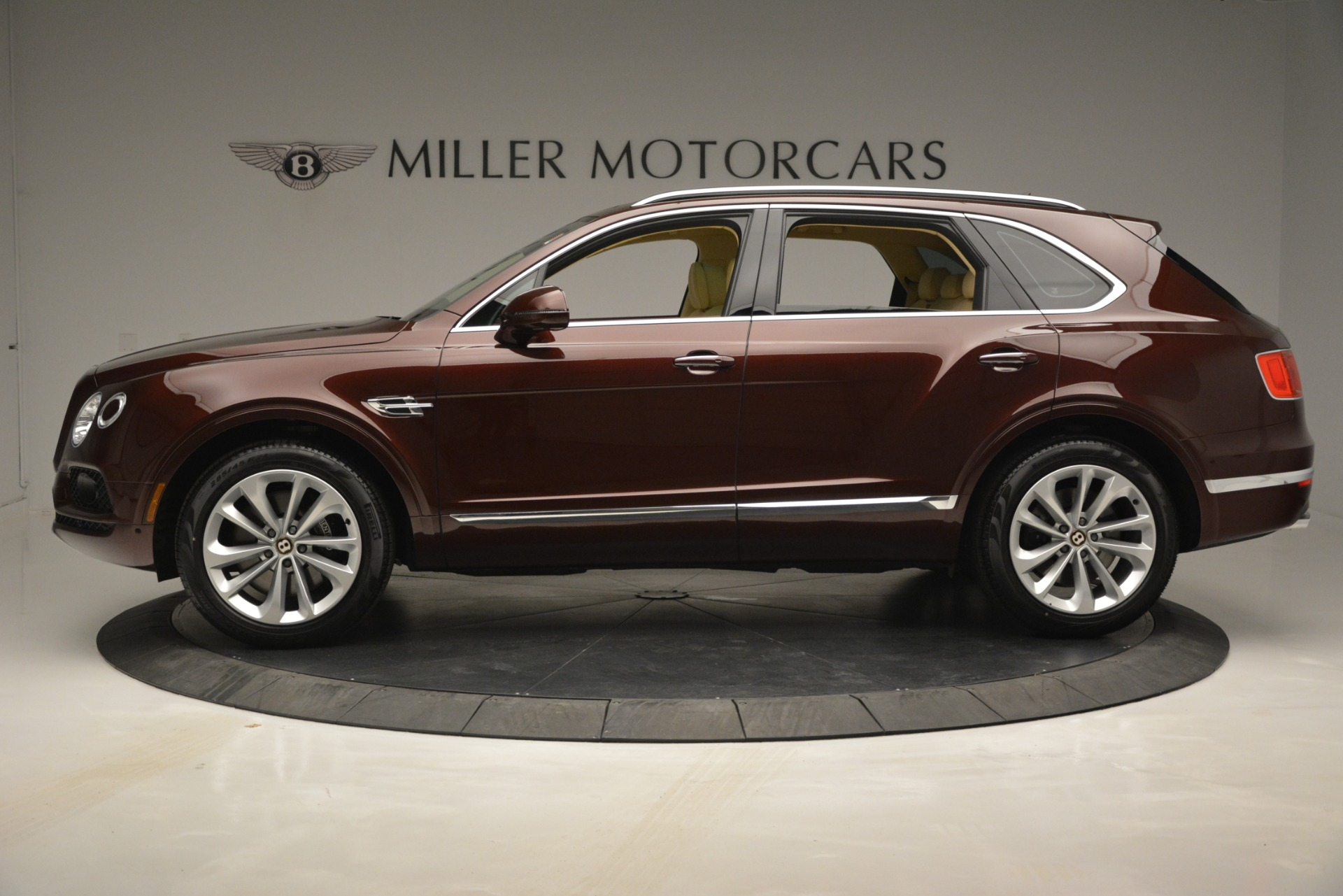 New 2019 Bentley Bentayga V8 For Sale In Greenwich, CT 2702_p3