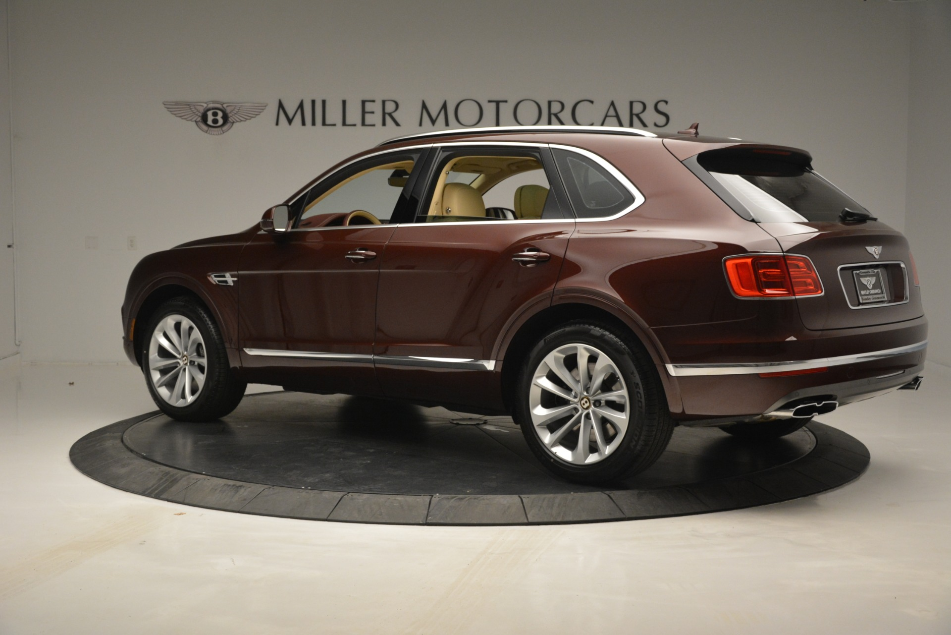 New 2019 Bentley Bentayga V8 For Sale In Greenwich, CT 2702_p4