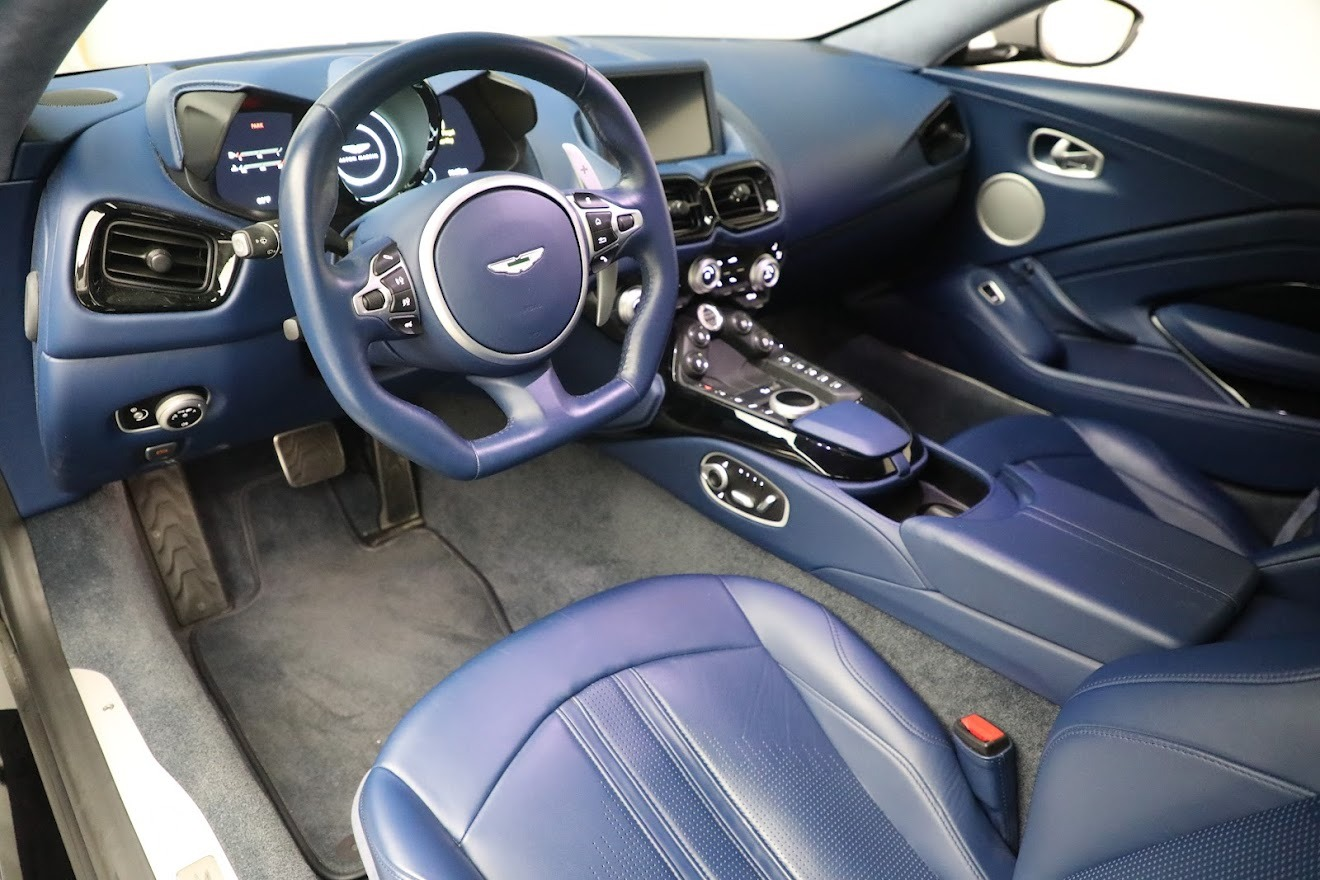 New 2019 Aston Martin Vantage  For Sale In Greenwich, CT 2710_p14
