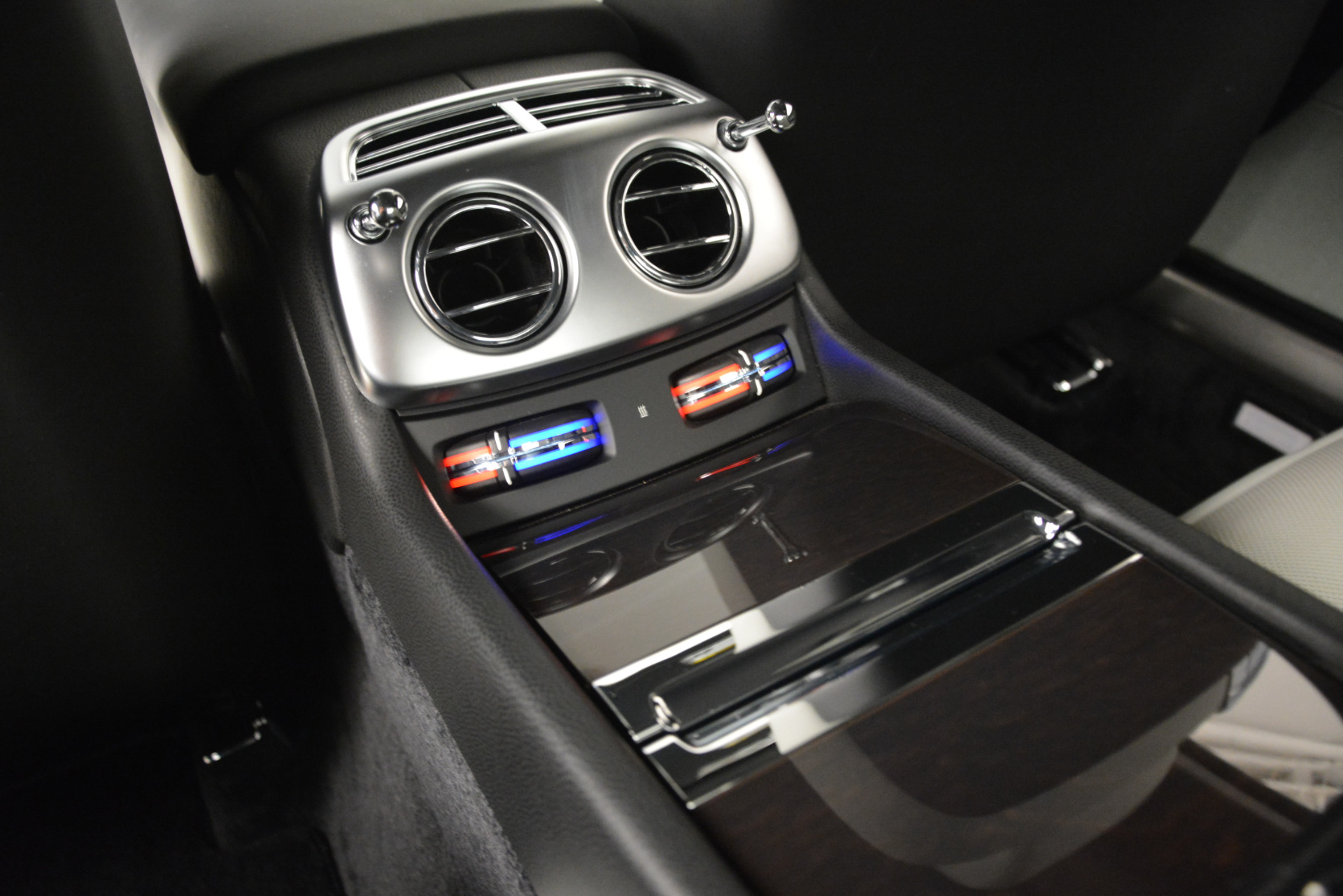 Used 2015 Rolls-Royce Wraith  For Sale In Greenwich, CT 2716_p20