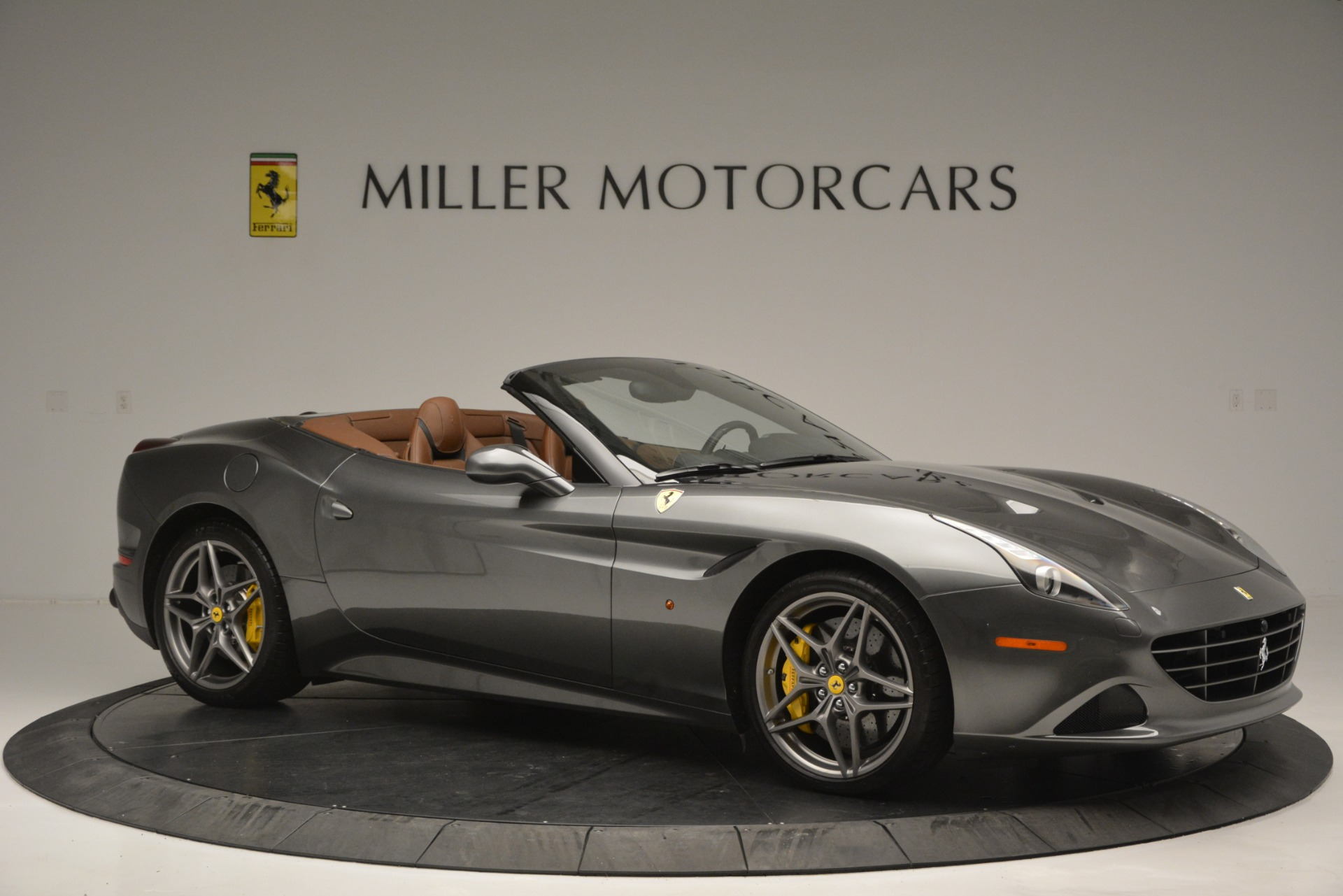 Used 2016 Ferrari California T Handling Speciale For Sale In Greenwich, CT 2721_p10