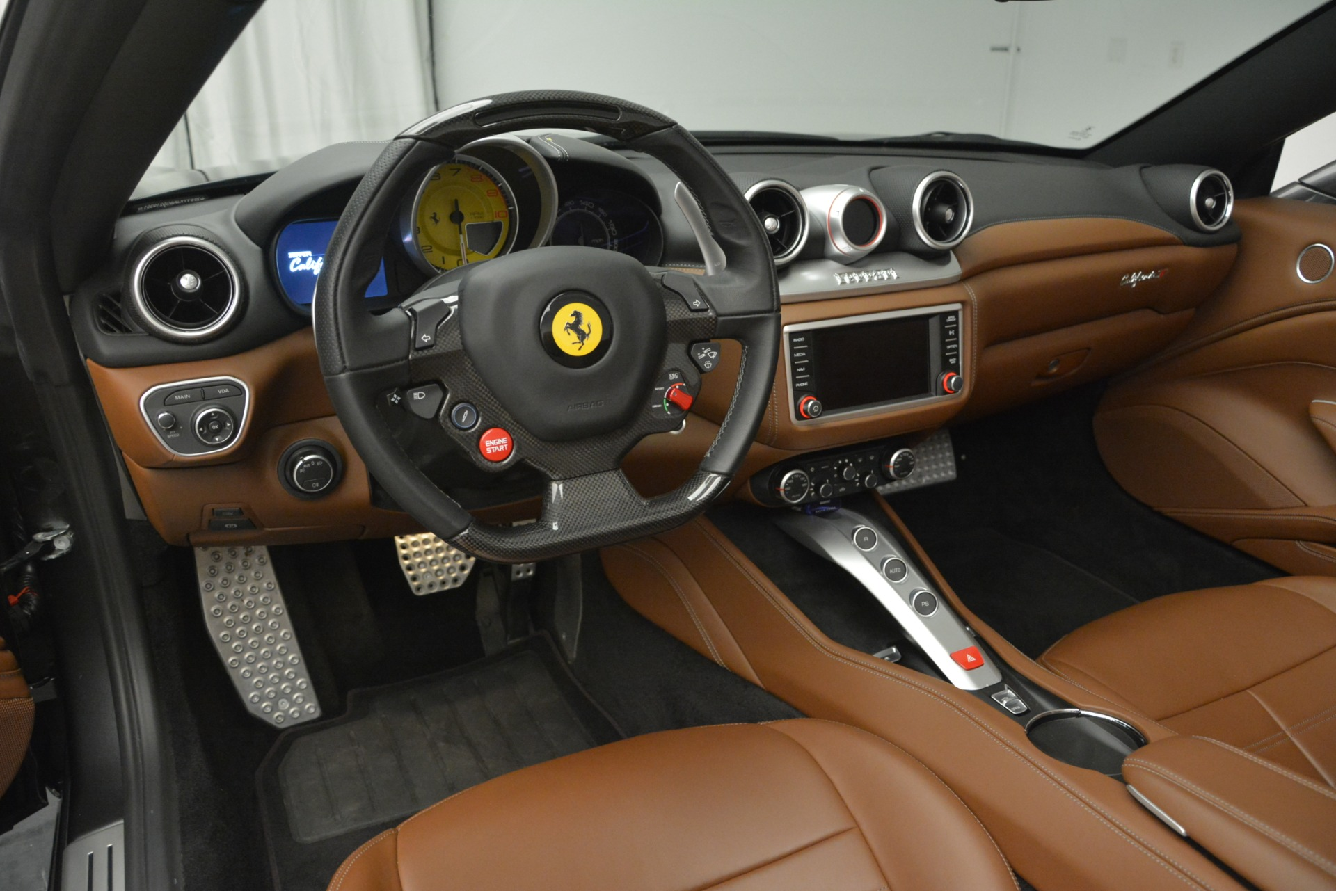 Used 2016 Ferrari California T Handling Speciale For Sale In Greenwich, CT 2721_p25