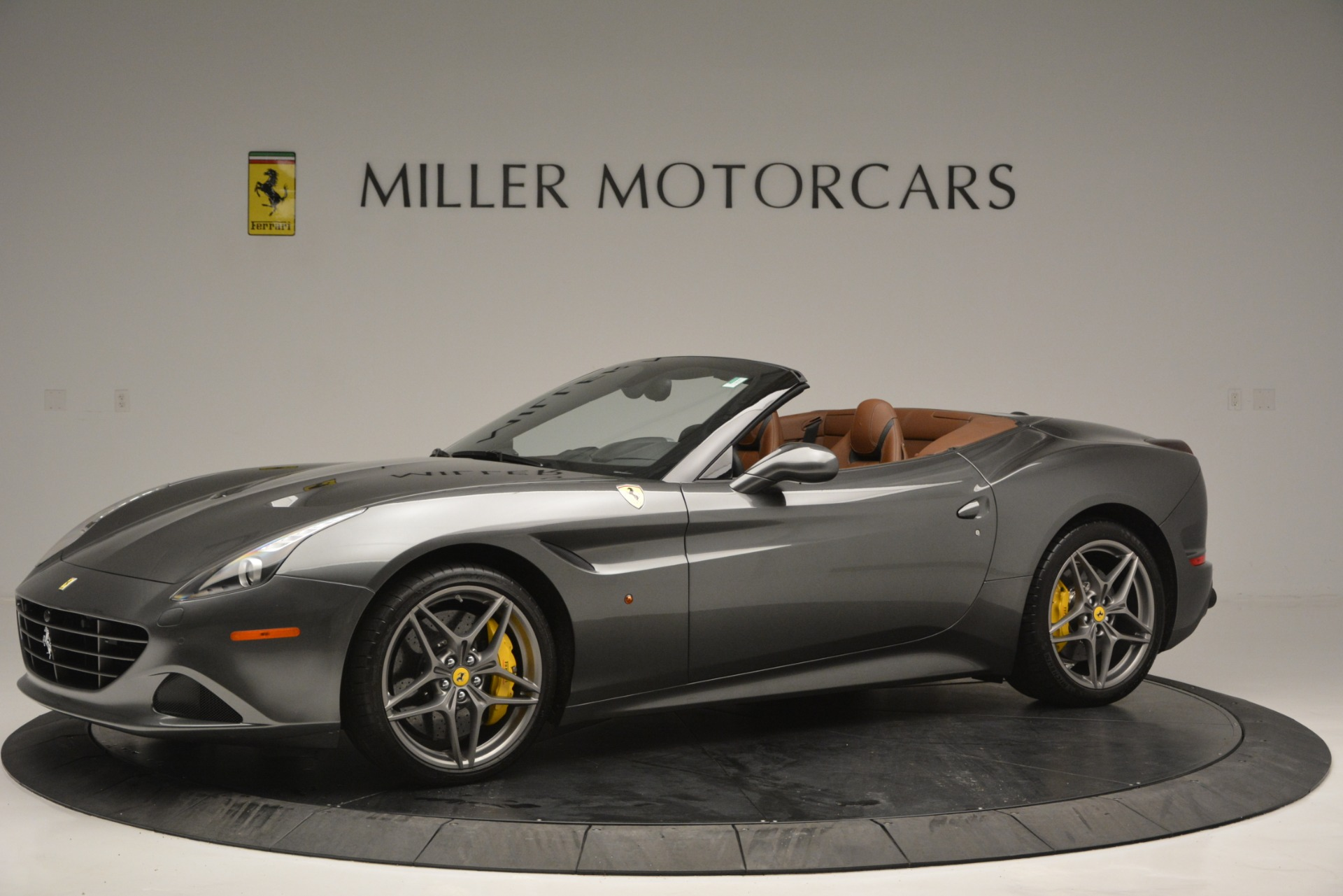 Used 2016 Ferrari California T Handling Speciale For Sale In Greenwich, CT 2721_p2