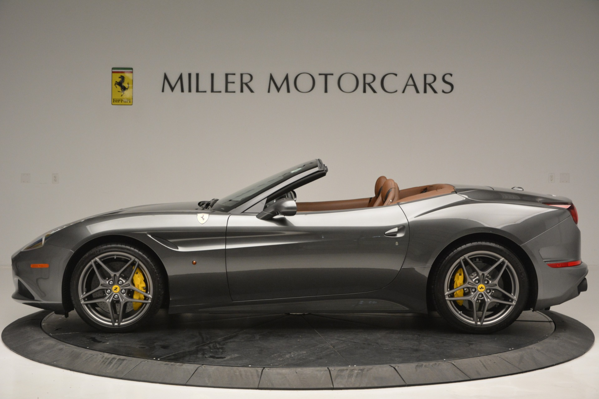 Used 2016 Ferrari California T Handling Speciale For Sale In Greenwich, CT 2721_p3