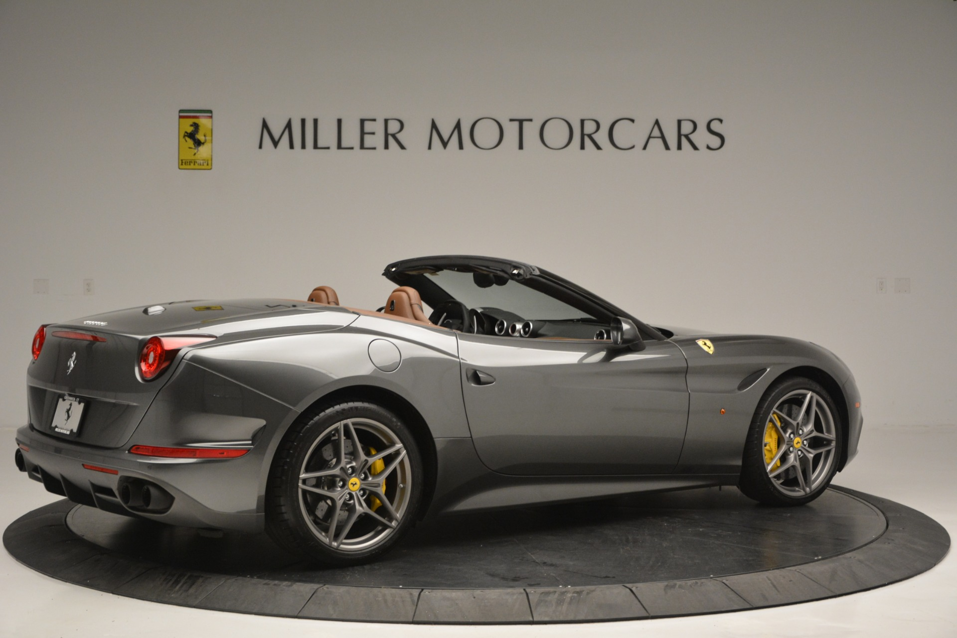 Used 2016 Ferrari California T Handling Speciale For Sale In Greenwich, CT 2721_p8