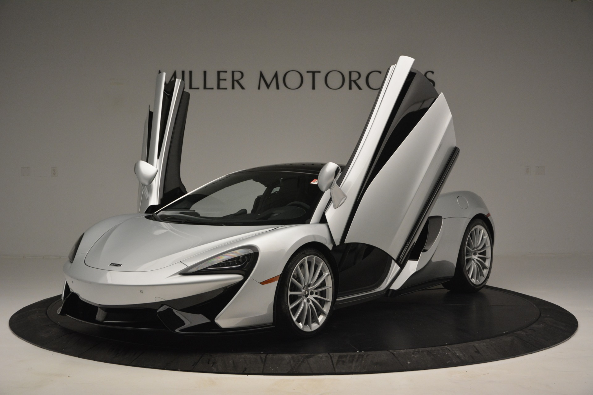 New 2019 McLaren 570GT Coupe For Sale In Greenwich, CT 2725_p14