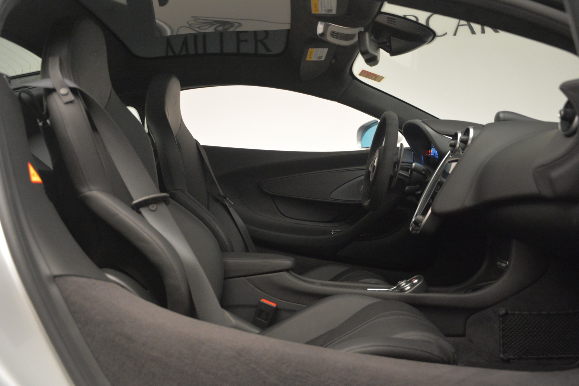New 2019 McLaren 570GT Coupe For Sale In Greenwich, CT 2725_p20