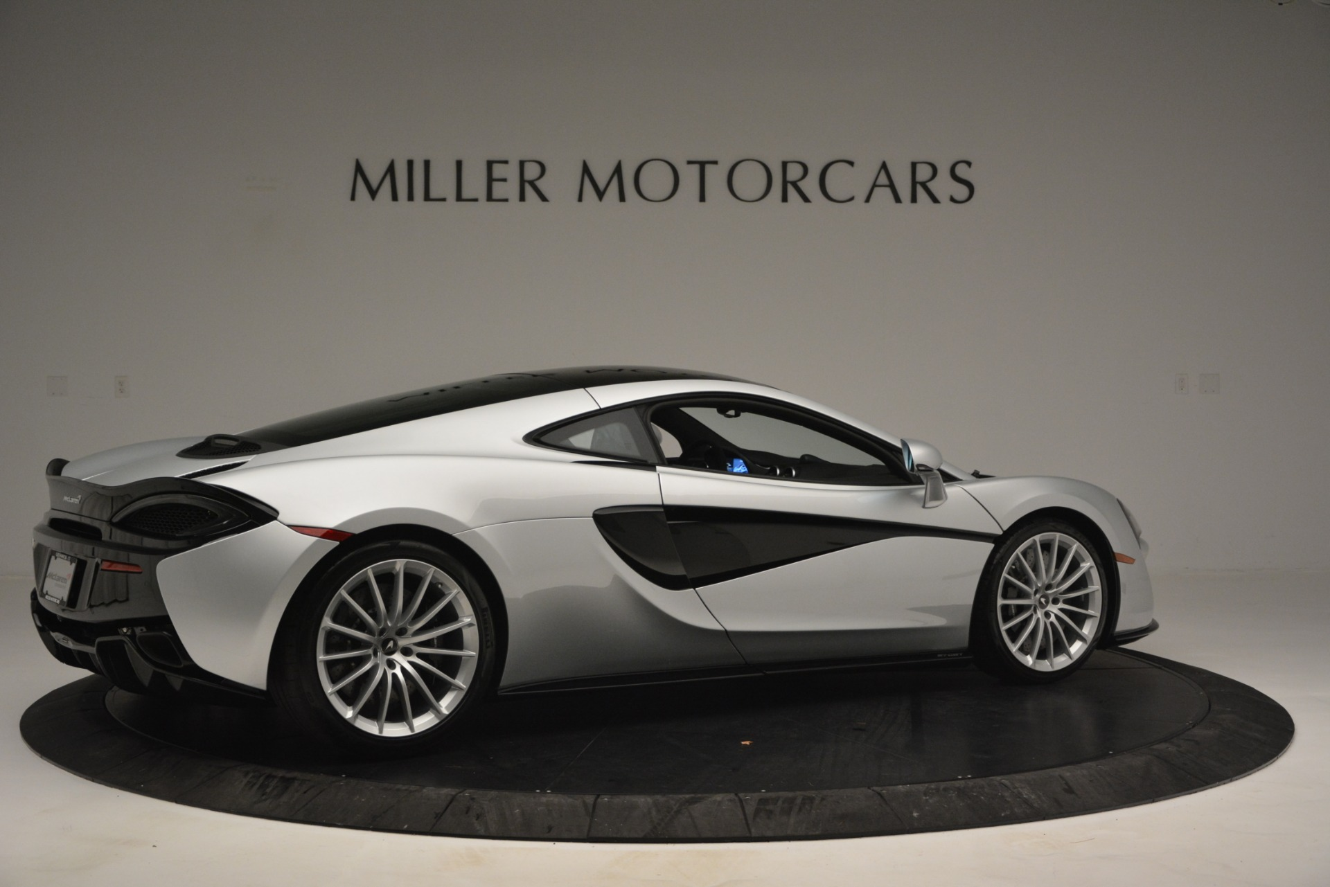 New 2019 McLaren 570GT Coupe For Sale In Greenwich, CT 2725_p8