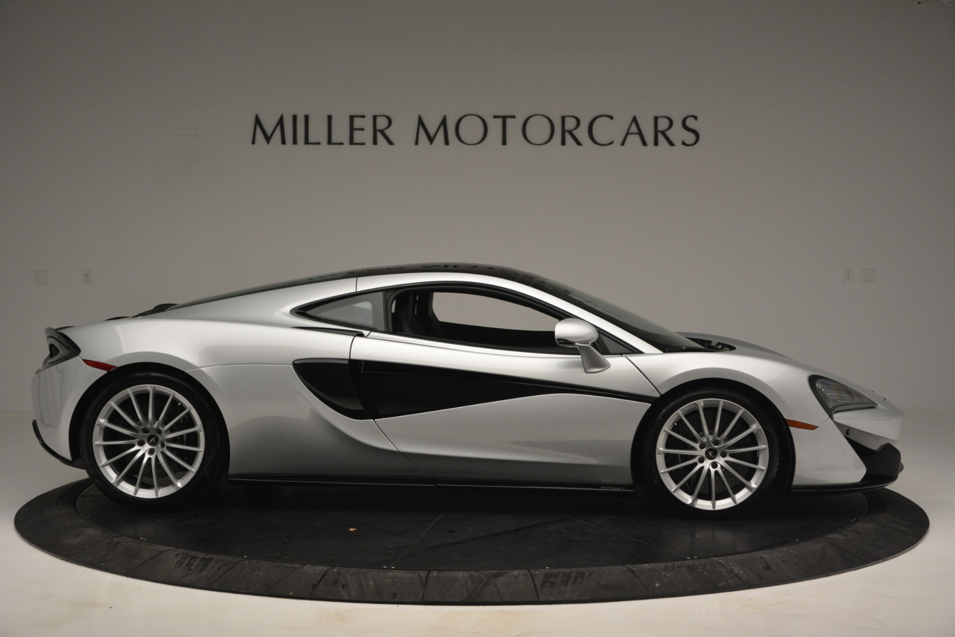 New 2019 McLaren 570GT Coupe For Sale In Greenwich, CT 2725_p9
