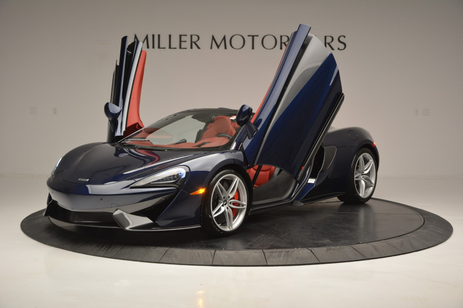 New 2019 McLaren 570S Spider Convertible For Sale In Greenwich, CT 2727_p14