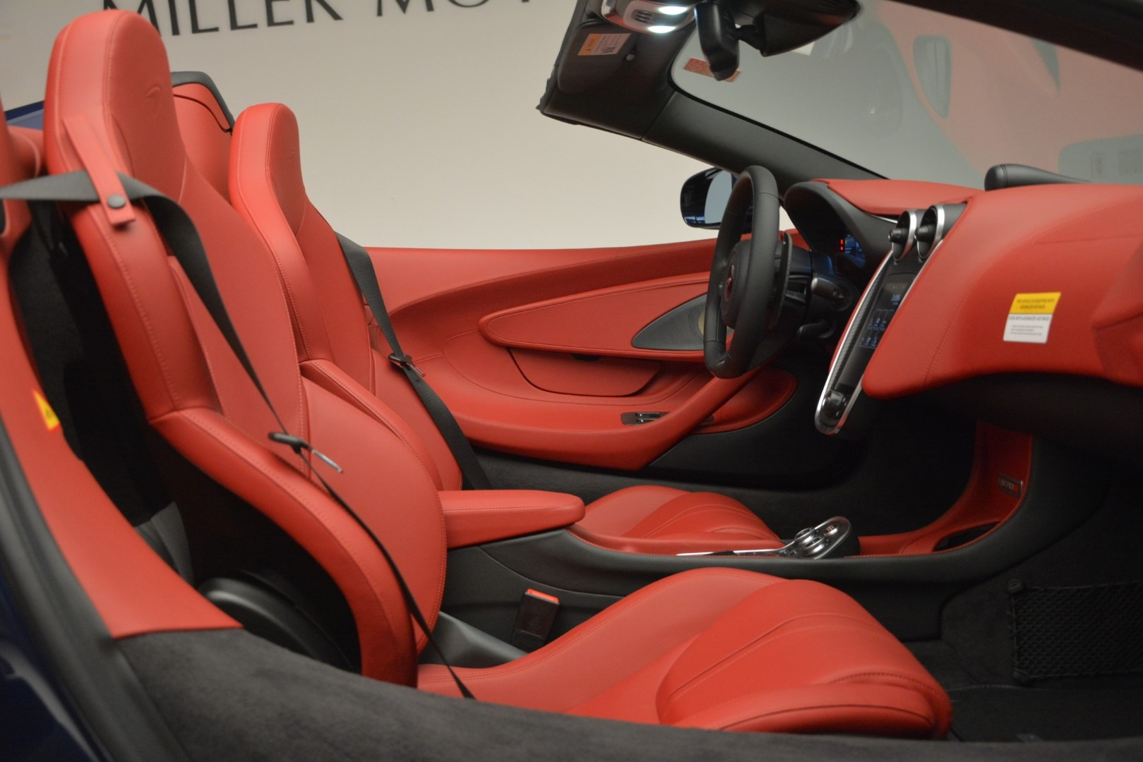 New 2019 McLaren 570S Spider Convertible For Sale In Greenwich, CT 2727_p27