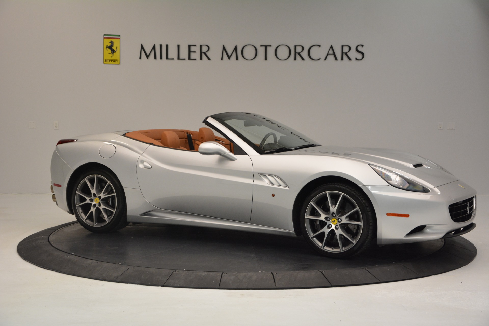 Used 2010 Ferrari California  For Sale In Greenwich, CT 2732_p10