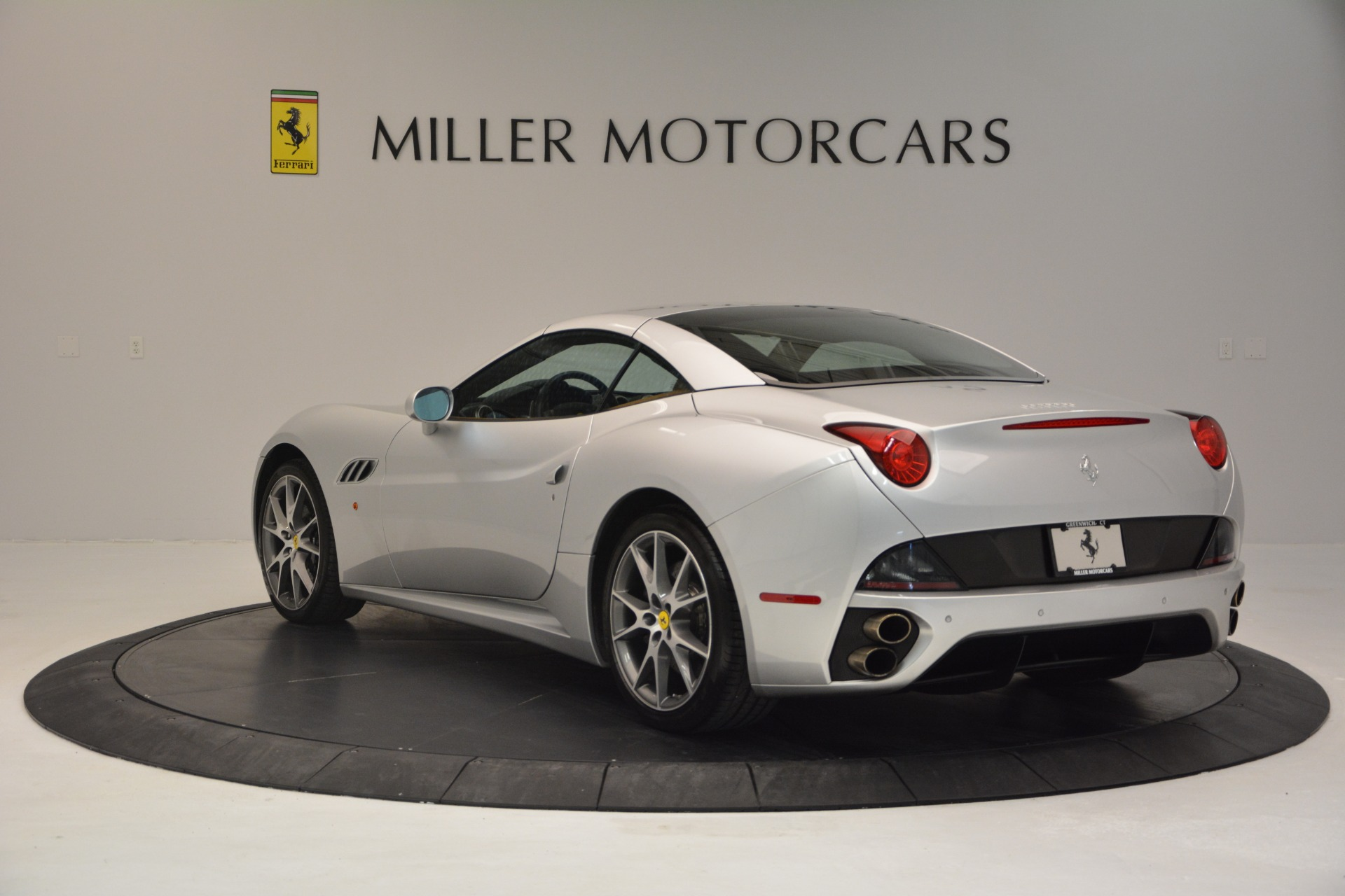 Used 2010 Ferrari California  For Sale In Greenwich, CT 2732_p17