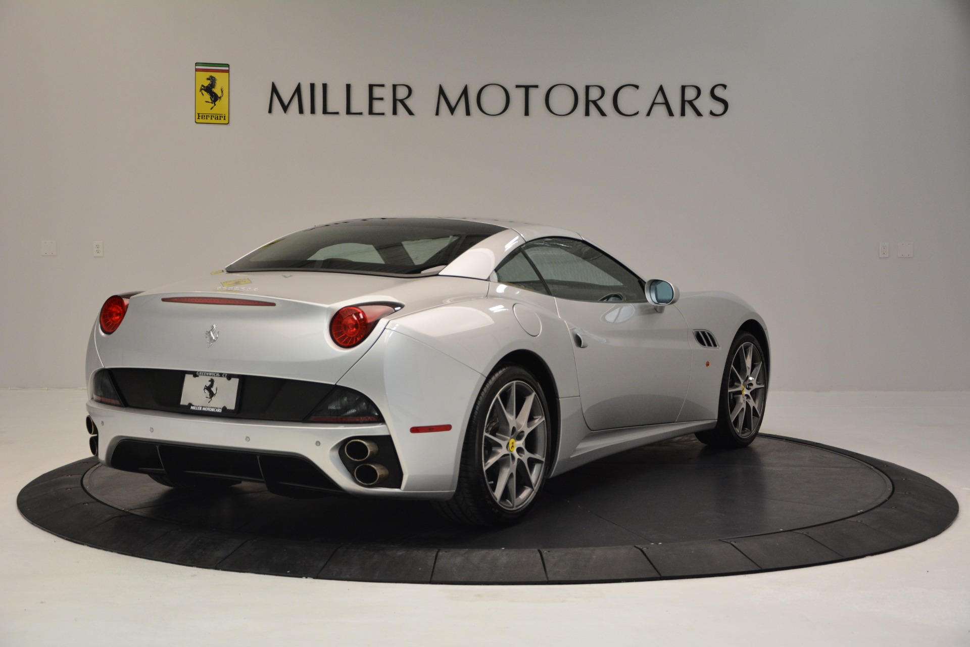 Used 2010 Ferrari California  For Sale In Greenwich, CT 2732_p19